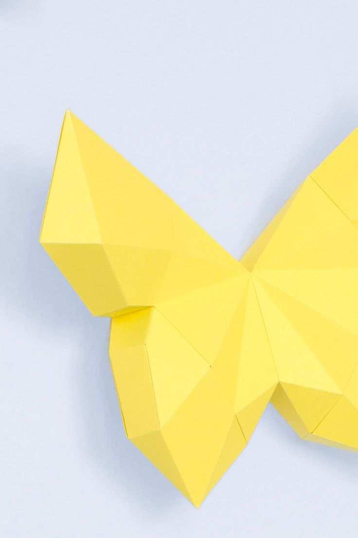 3d Schmetterling Basteln Als Wanddeko Mit Vorlage Schmetterlinge Basteln Bastelarbeiten Aus Papier Und Pappe Basteln