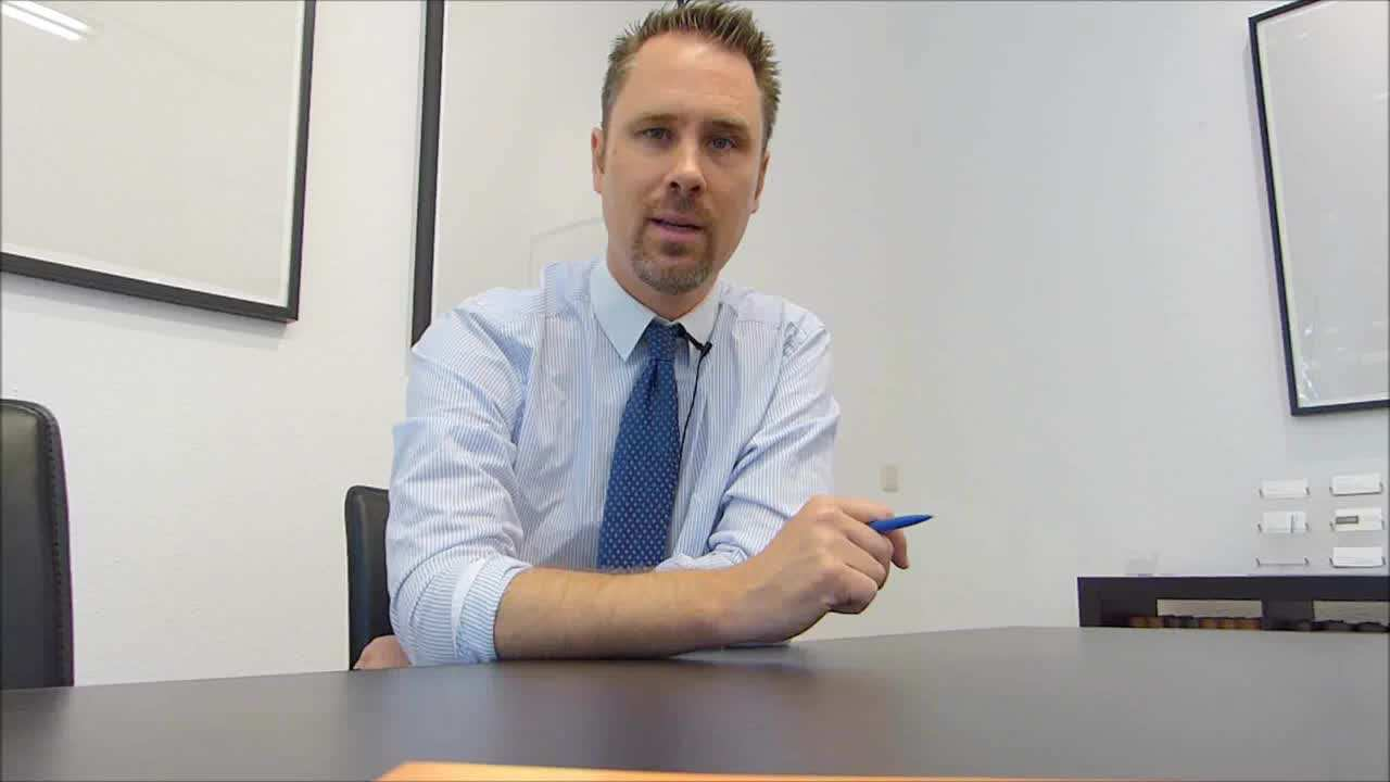 Rechtsberatung Fur Erzieher Innen Video Video Erzieherin Bestechung Kinderbetreuung