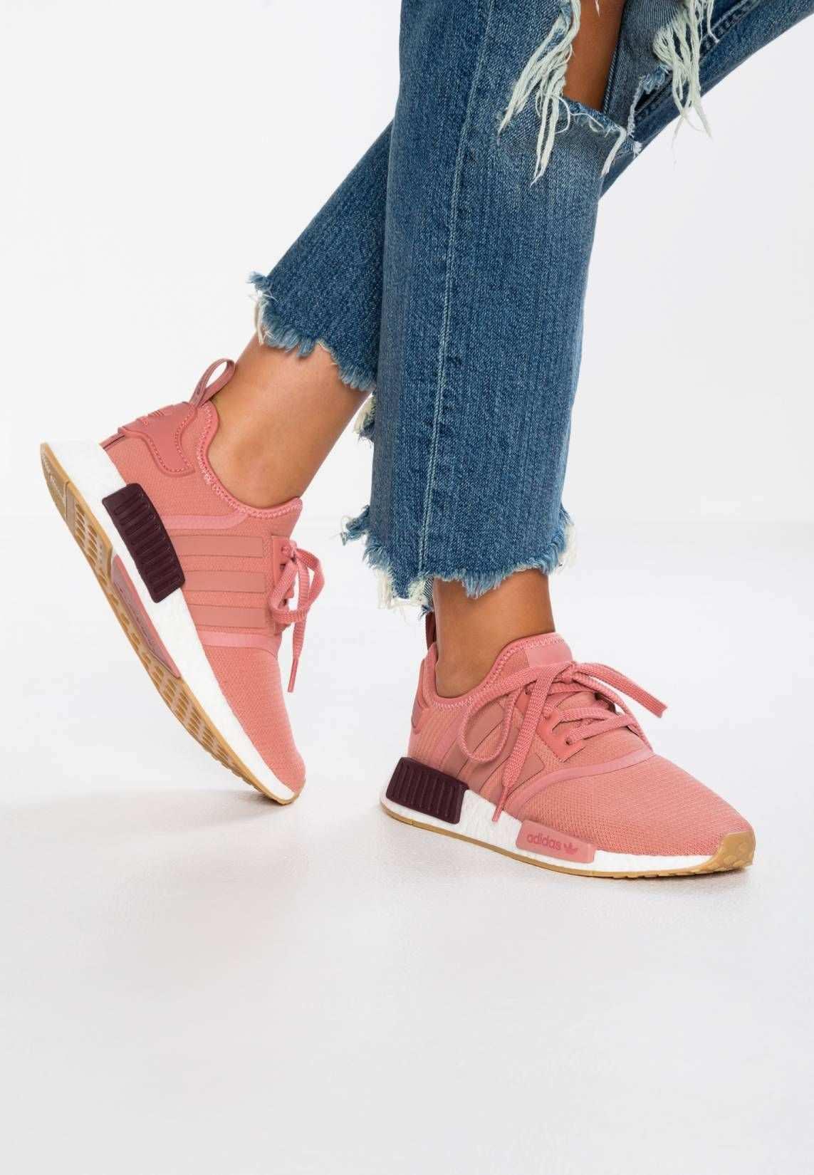 Adidas Originals Nmd R1 Sneaker Low Raw Pink Footwear White Sohle Kunststoff Decksohle Textil Innenmaterial Textil Oberma Schuhe Damen Zalando Sneaker