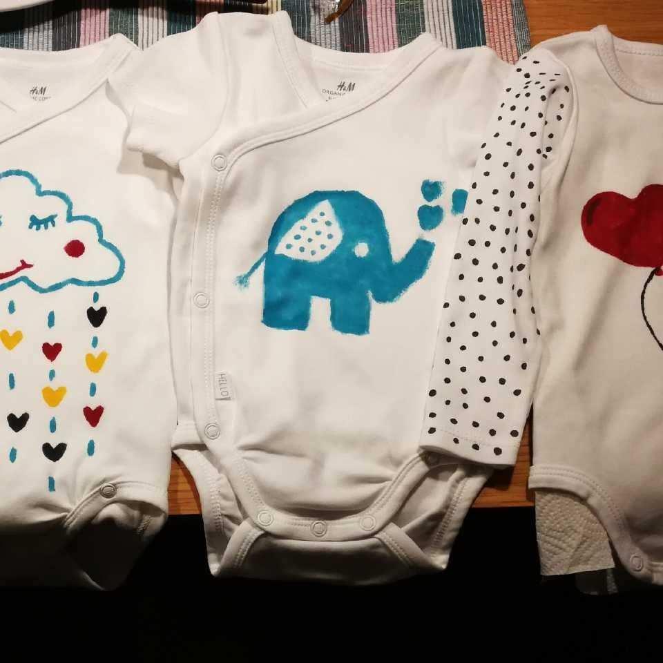 Body Bemalen Blauer Elefant Herz Babyparty Body Bemalen Babyparty Baby Onesies