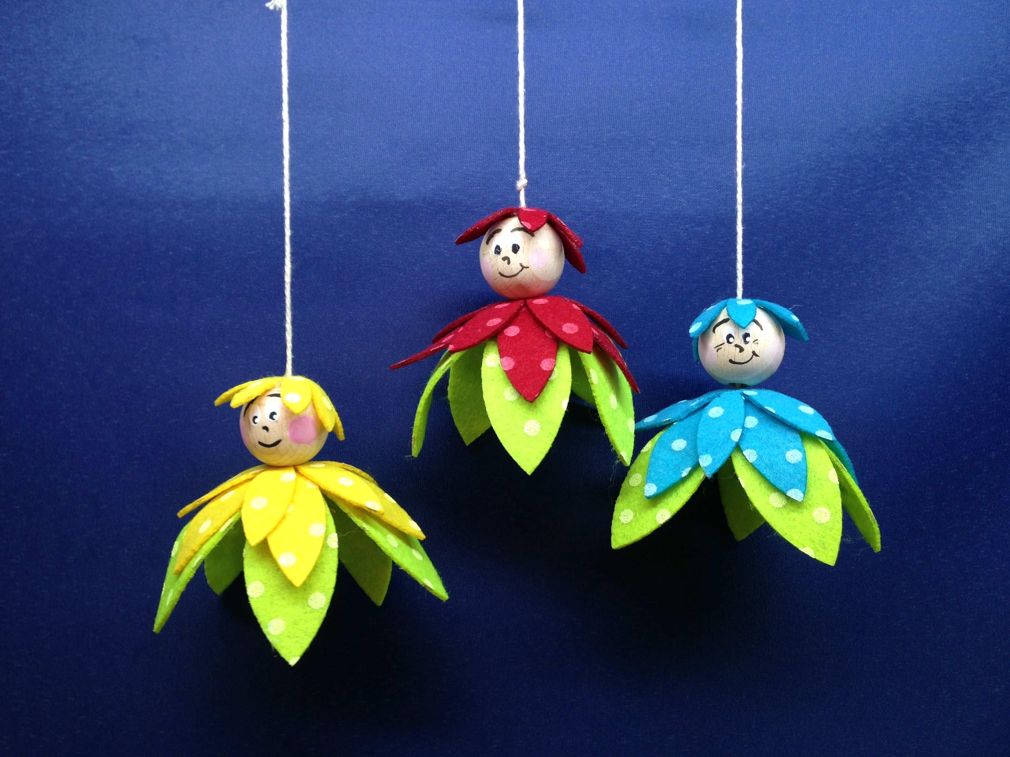 Tolles Bastelset Blumenkinder Aus Filz Zum Aufhangen Basteln Fruhling Kindergarten Basteln Kinder Basteln Papier