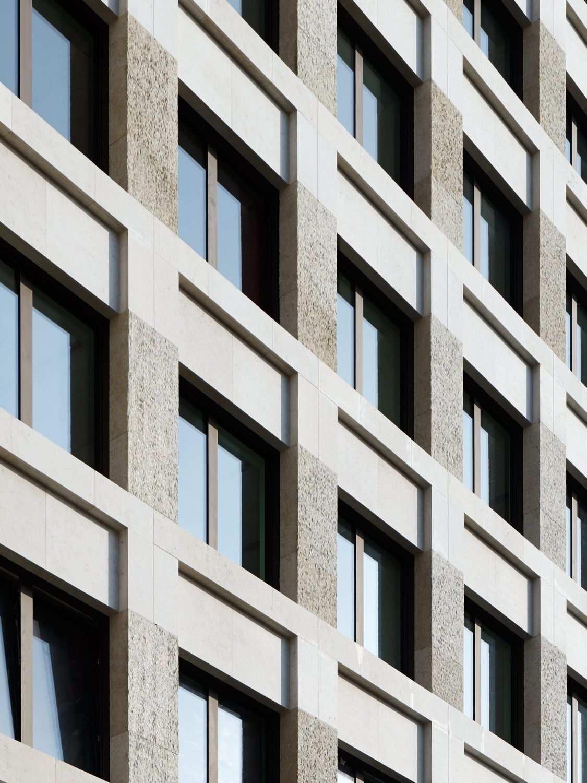 Berliner Gelassenheit Fassadengestaltung Von Max Dudler Fassadengestaltung Fassaden Gestaltung Fassade