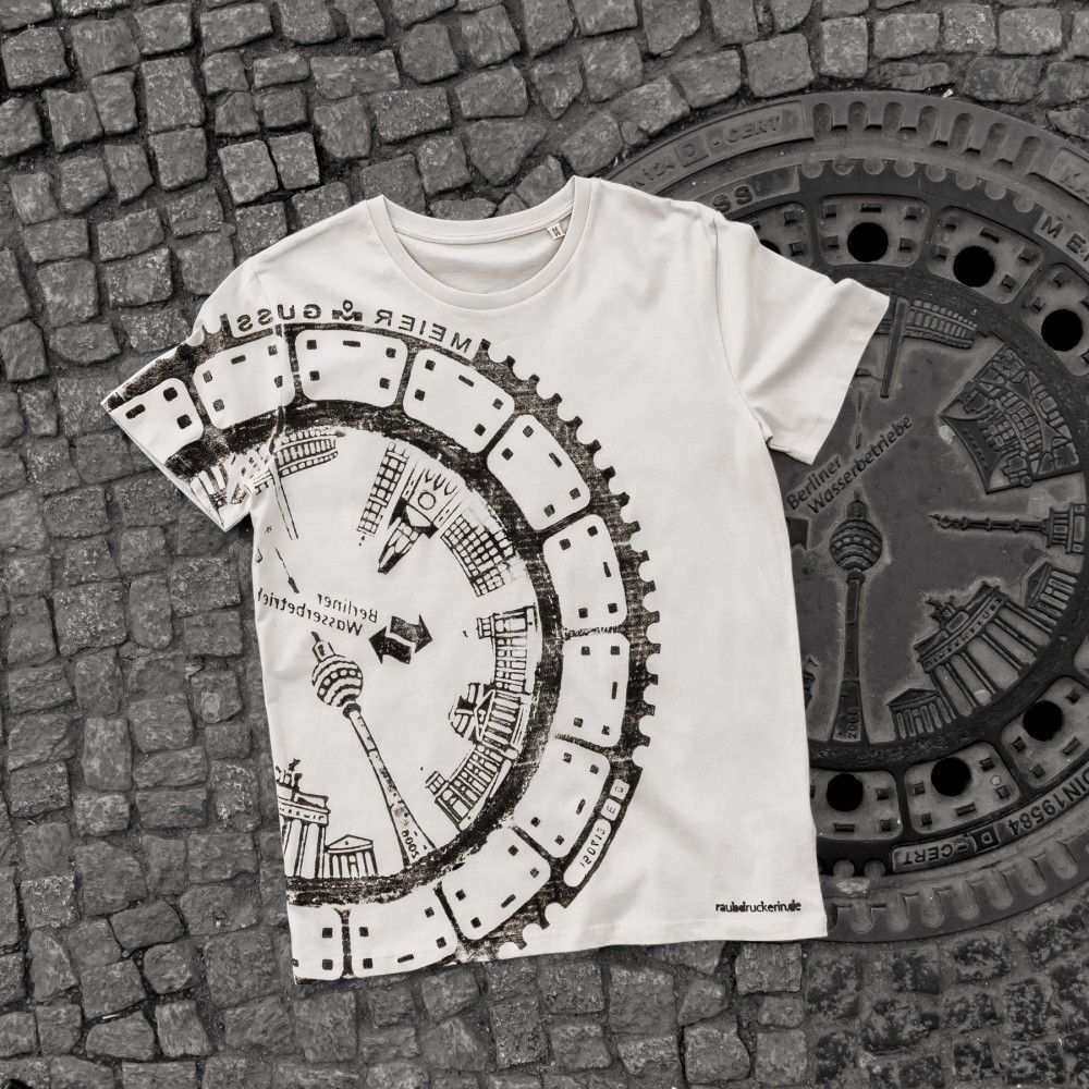 Raubdruckerin Original Manhole Cover Prints On Shirts Bags Printed Shirts Create T Shirt Shirt Designs