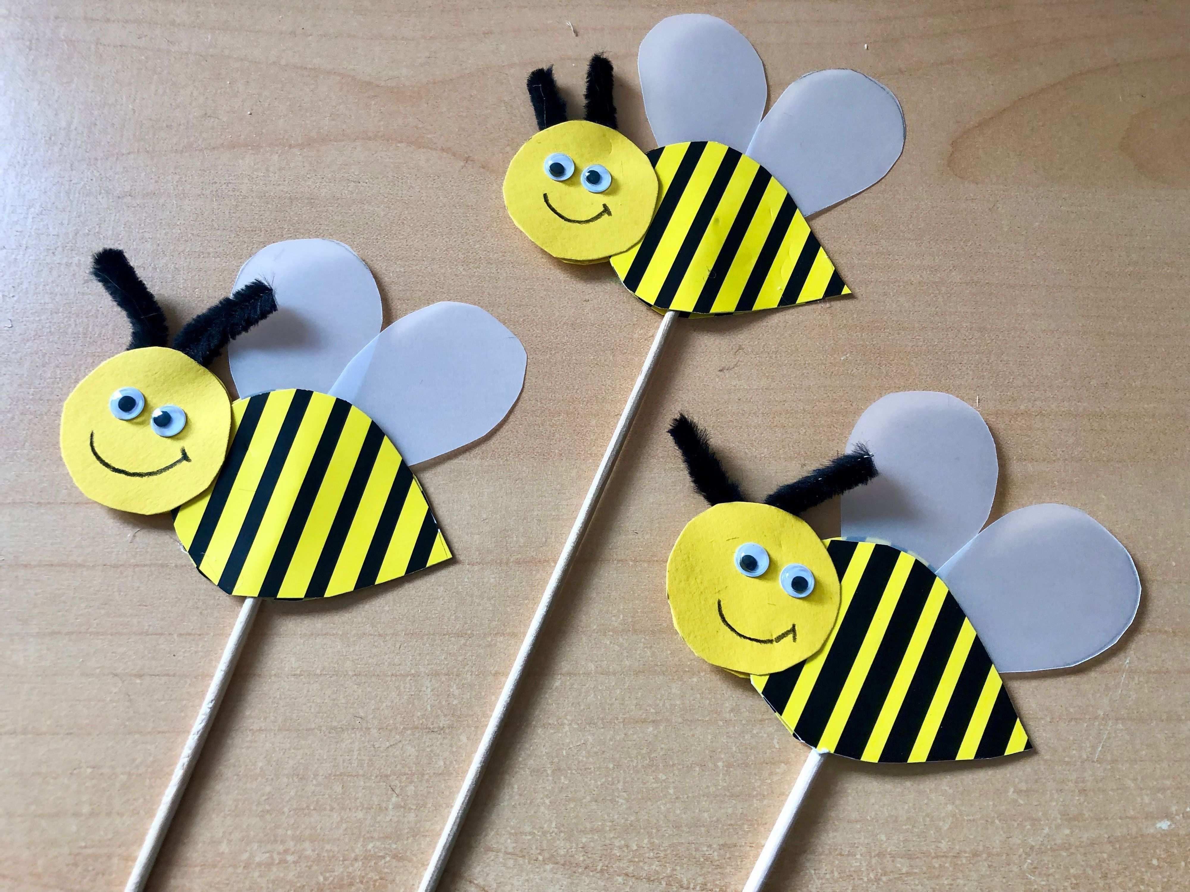 Kleine Bienchen Basteln Basteln Bienchen Kleine In 2020 Bienen Basteln Basteln Fruhling Kindergarten Basteln Fruhling Kinder