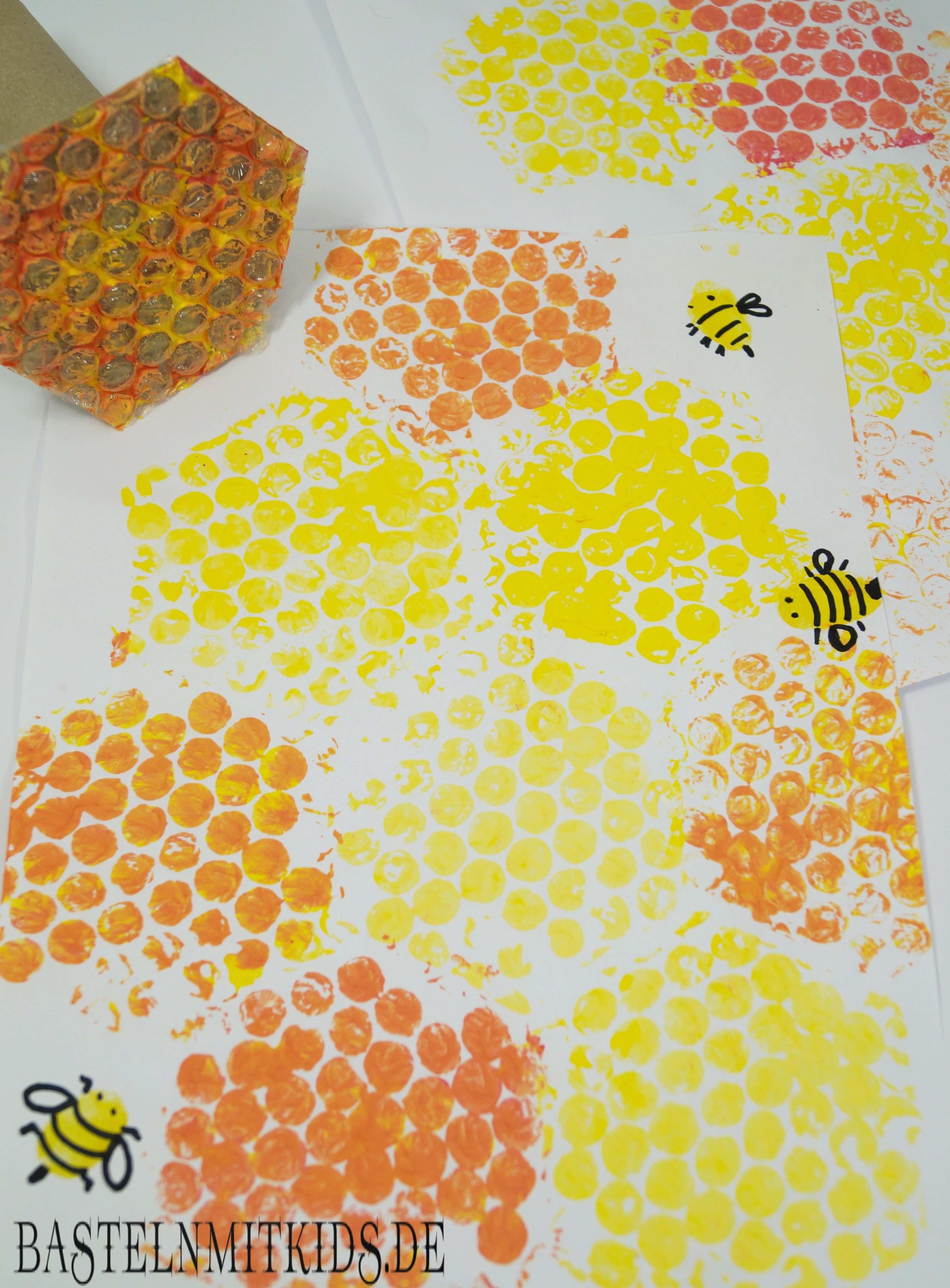 Bienenwaben Basteln Mit Kindern Und Kleinkindern Bastelnmitkids Bienen Basteln Bienen Waben Basteln Ideen Sommer
