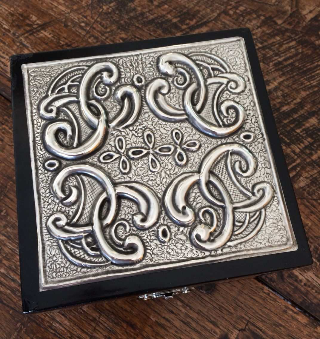 Trinket Box Made At The Pewter Room By Lee Www Thepewterroom Co Za Pewter Embossing Aluminum Foil Art Pewter Art