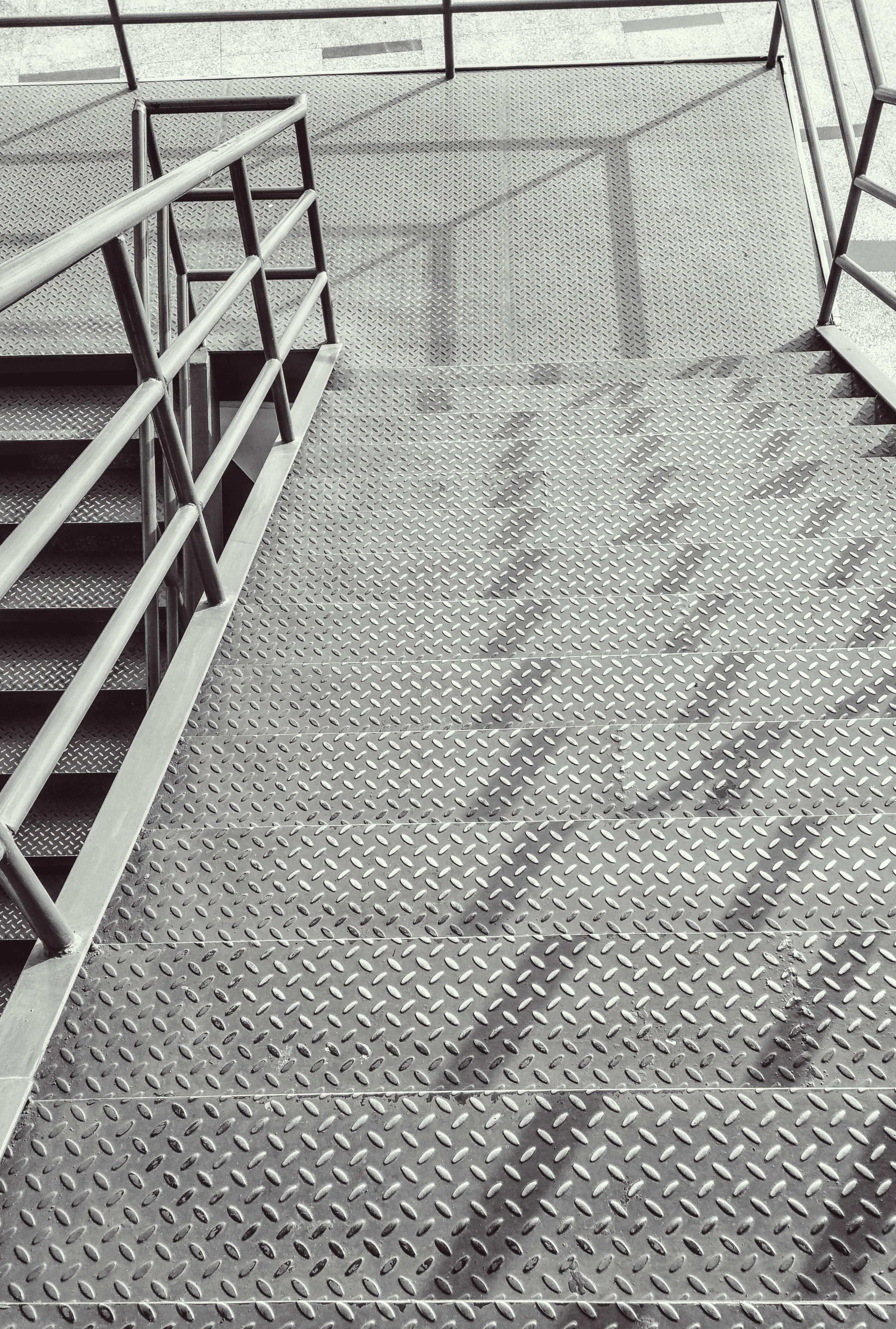 Treppe Strukturbleche Trannenblech Warzenblech Riffelblech Photographer Digital Buggu From Pexels Riffelblech Blech Treppe