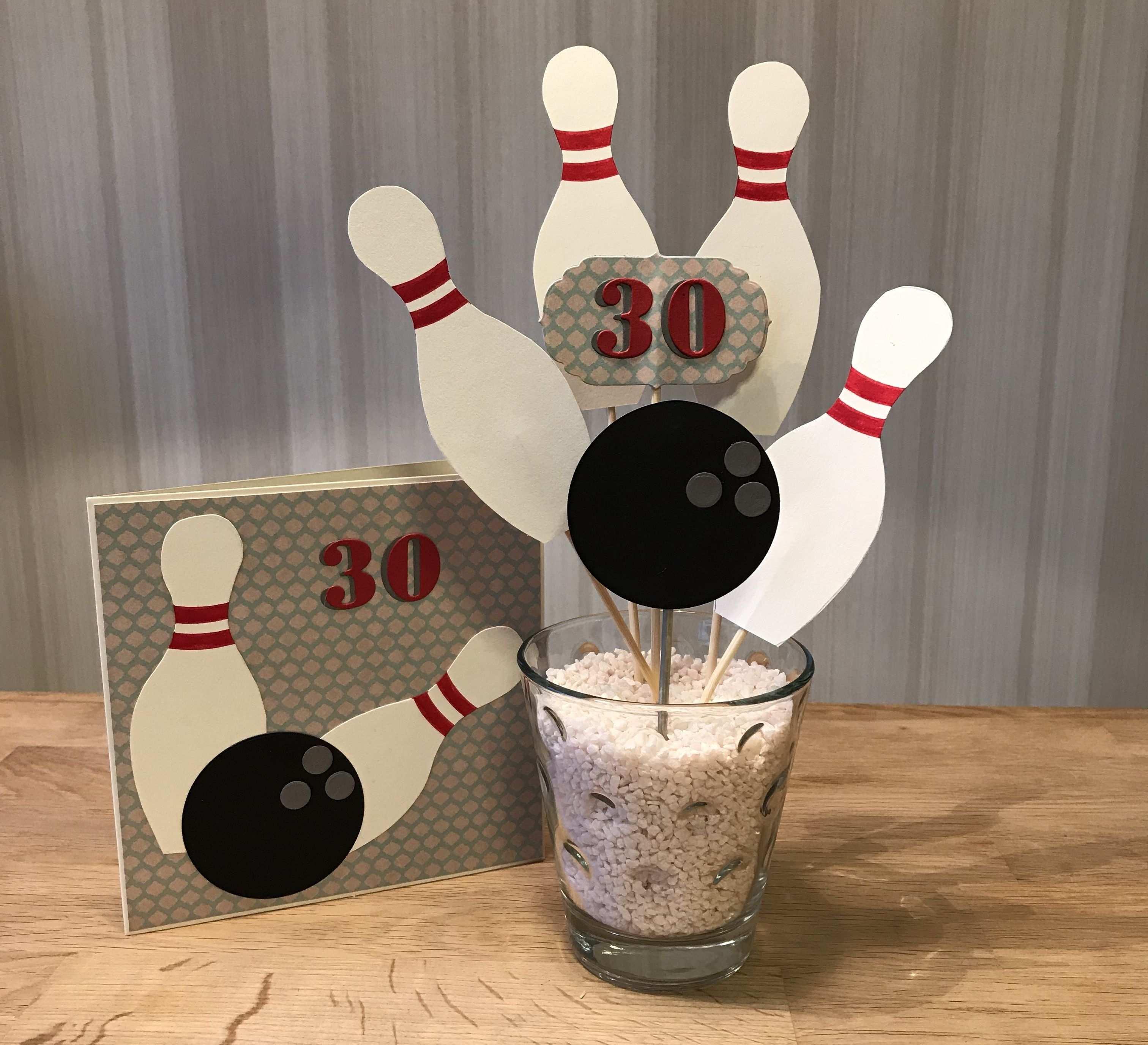 Geschenk Und Karte Zum 30 Geburtstag Bowling Abend Gutschein Gutschein Basteln Bowling Geschenke Geburtstagseinladungen Zum Ausdrucken