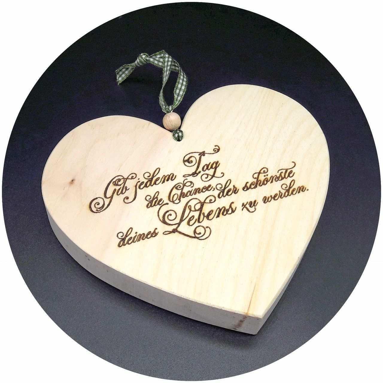 Mit Spruchen Lassen Sich Gefuhle Transportieren Und Ausdrucken Noch Schoner Wird Es Dann Wenn Der Spruch Auf E Holz Herz Holz Gravieren Vorlagen Baum Vorlage