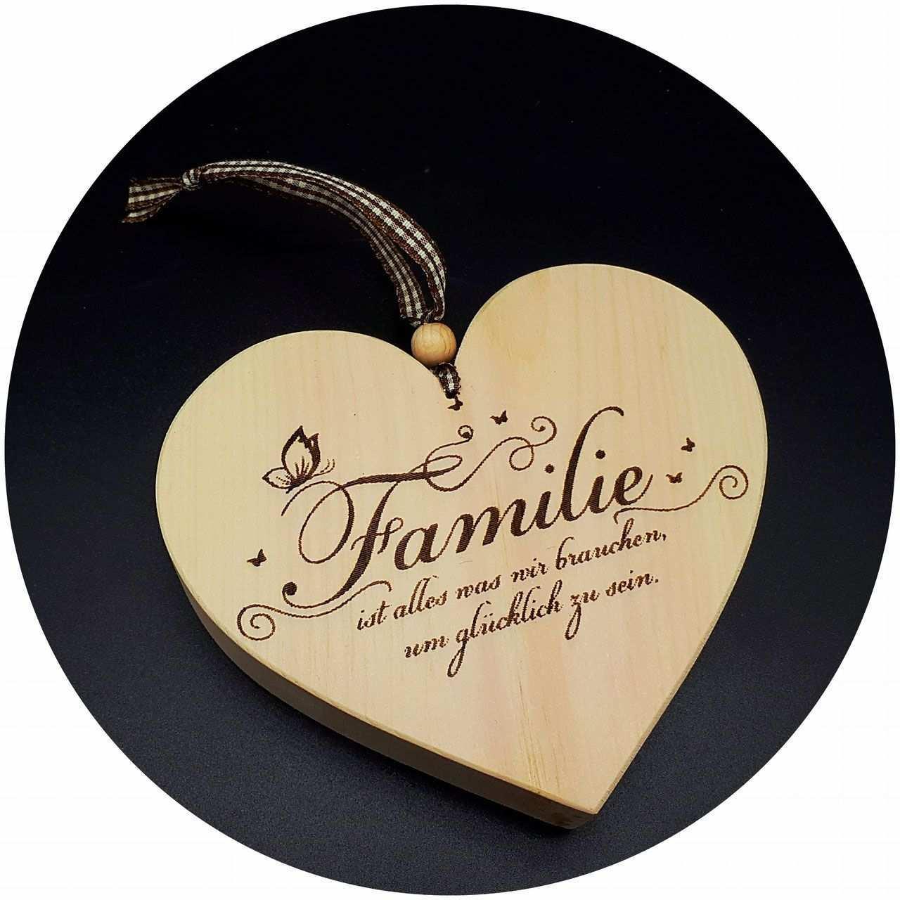 Handgefertigte Herzen Aus Zirben Holz Mit Familien Spruchen Wir Gravieren Individuelle Spruche Auf Holz Herzen Aus Zirbenholz Holz Herz Zirben Gravur Ideen