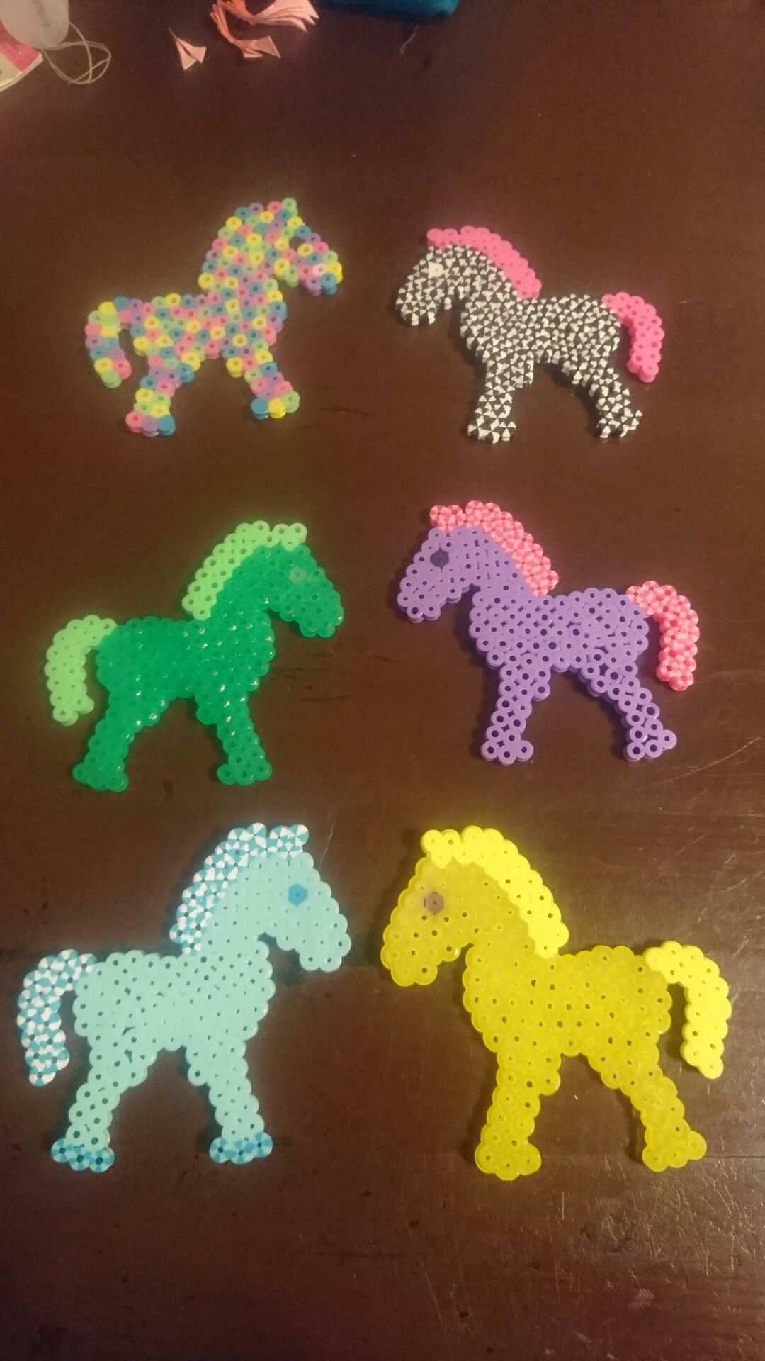 Pferde Bugelperlen Bugelperlen Basteln Mit Kindern Basteln
