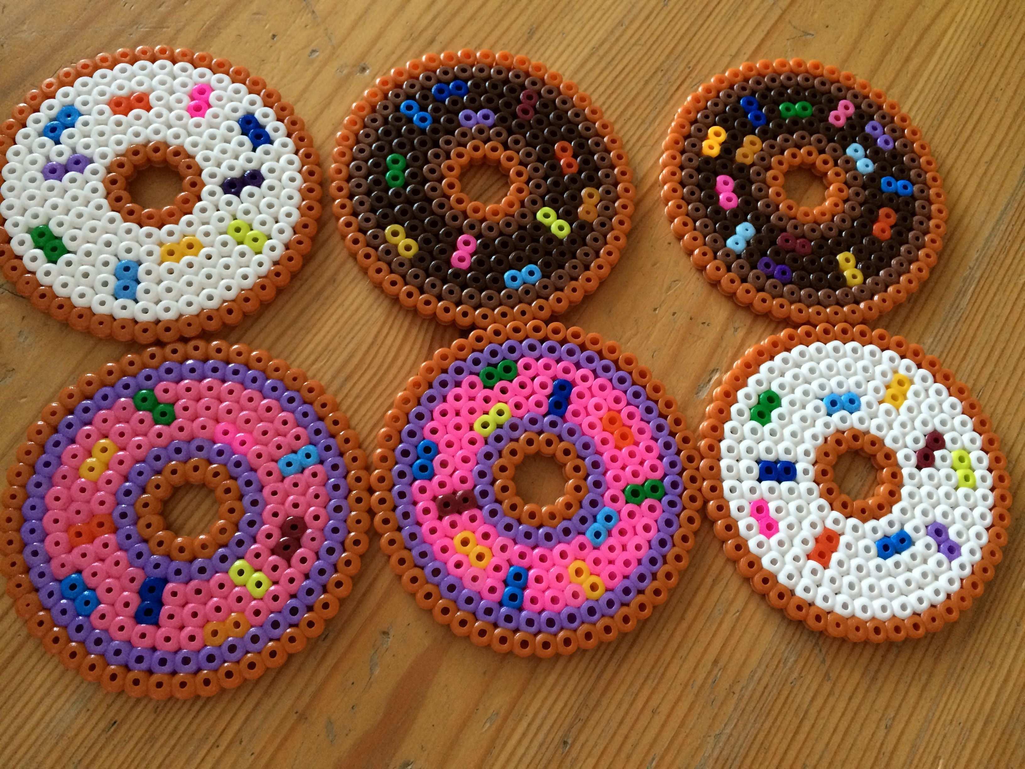 Bugelperlen Untersetzer In Form Von Donuts Bugelperlen Bugelperlen Vorlagen Basteln Mit Kindern