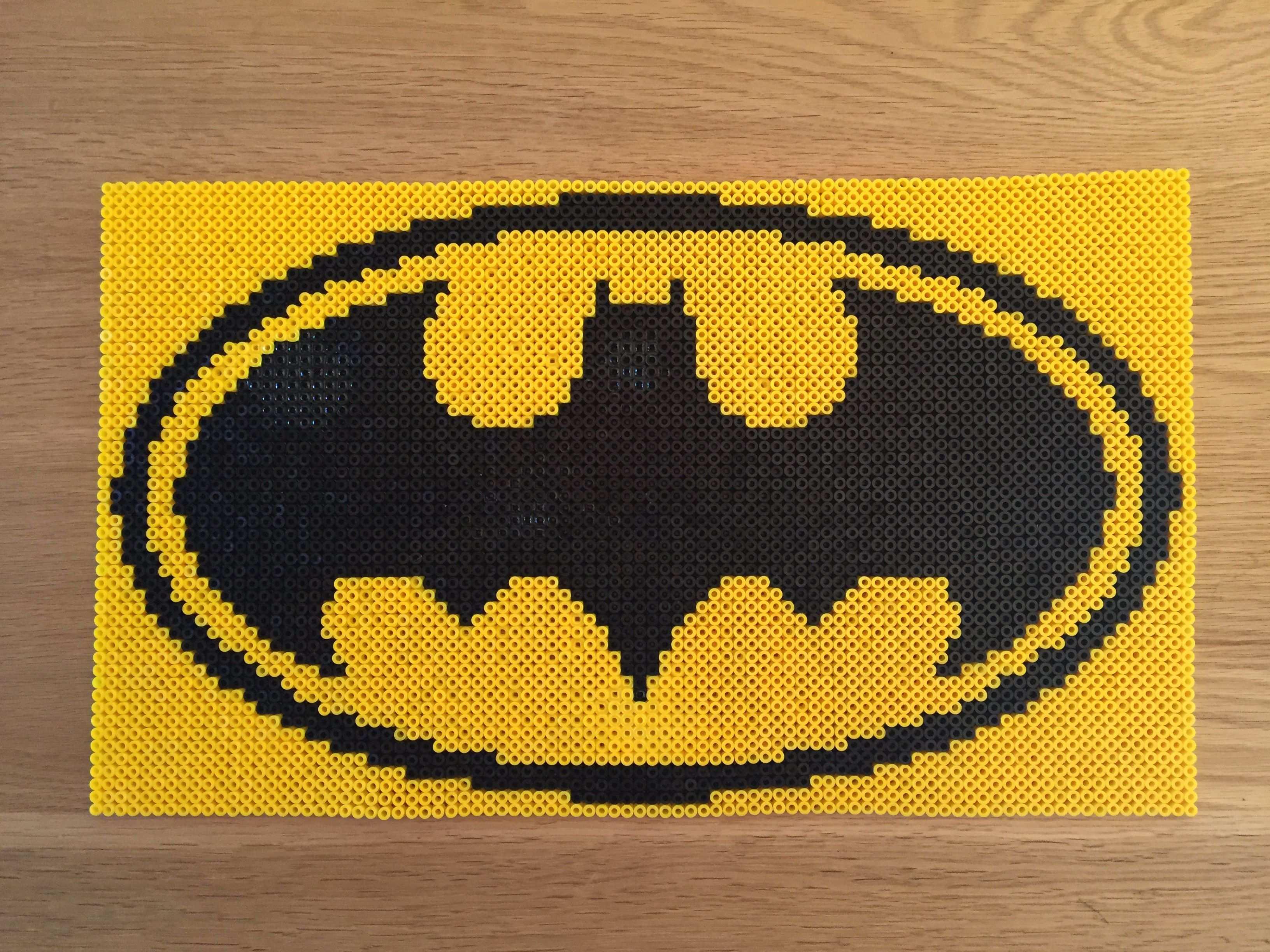 Batman Logo Made With Hama Beads Bugelperlen Vorlagen Batman Logo Batman