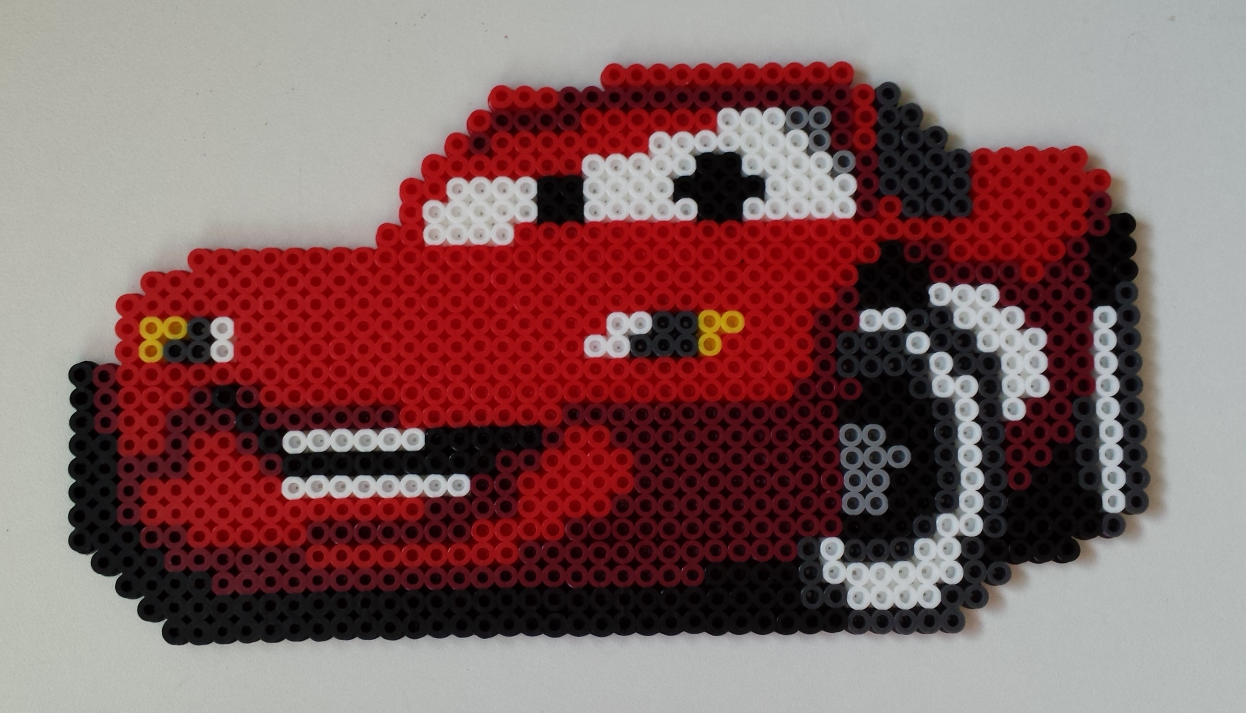Lightning Mcqueen From Cars Done In Perler Beads Bugelperlen Bugelperlen Vorlagen Basteln