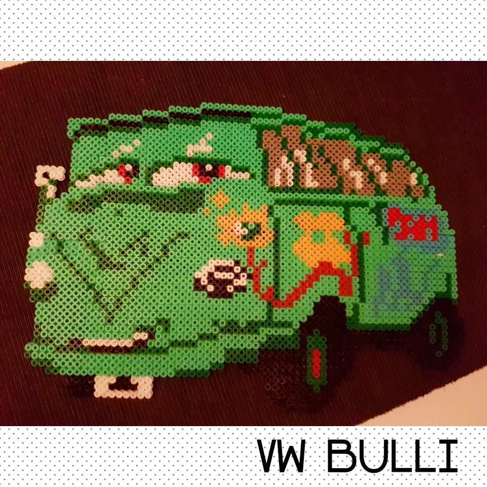 Vw Bulli Von Cars Bugelperlen Hama Fensterbild Bugelperlen Bugel Basteln
