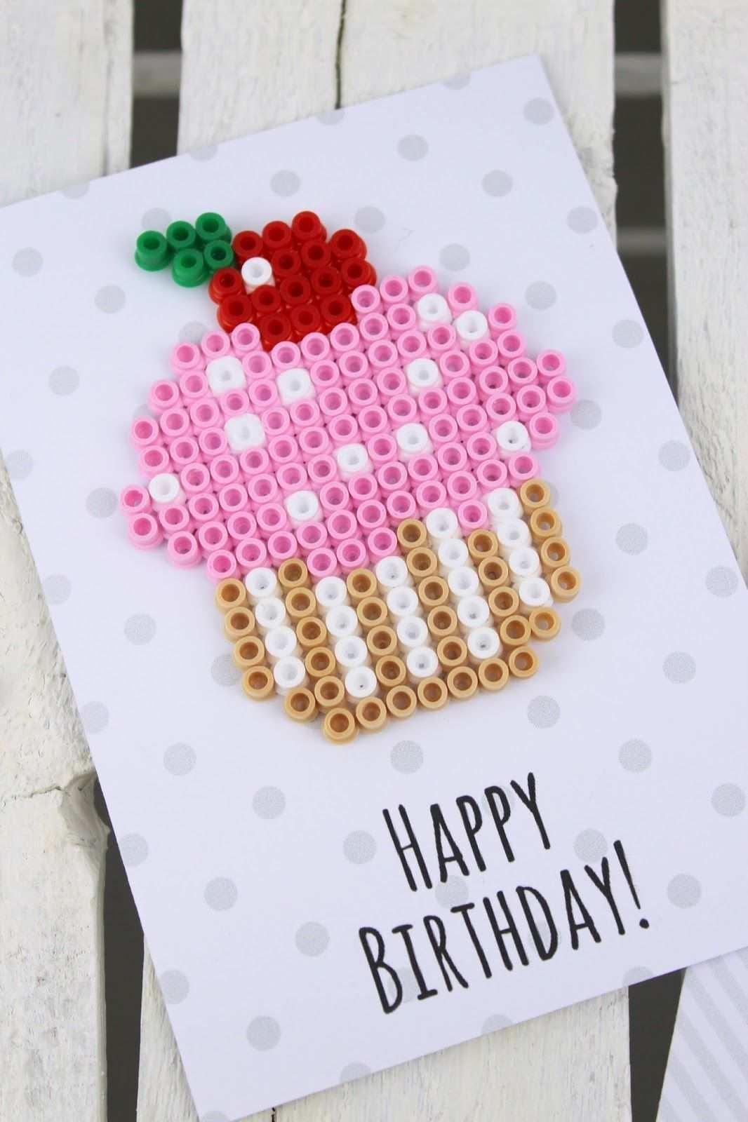 Diy Geburtstagkarten Aus Bugelperlen Selber Machen Geschenkidee Geburtstagkarten Basteln Geburtstagsgeschenke Basteln Mit Kindern Geschenke