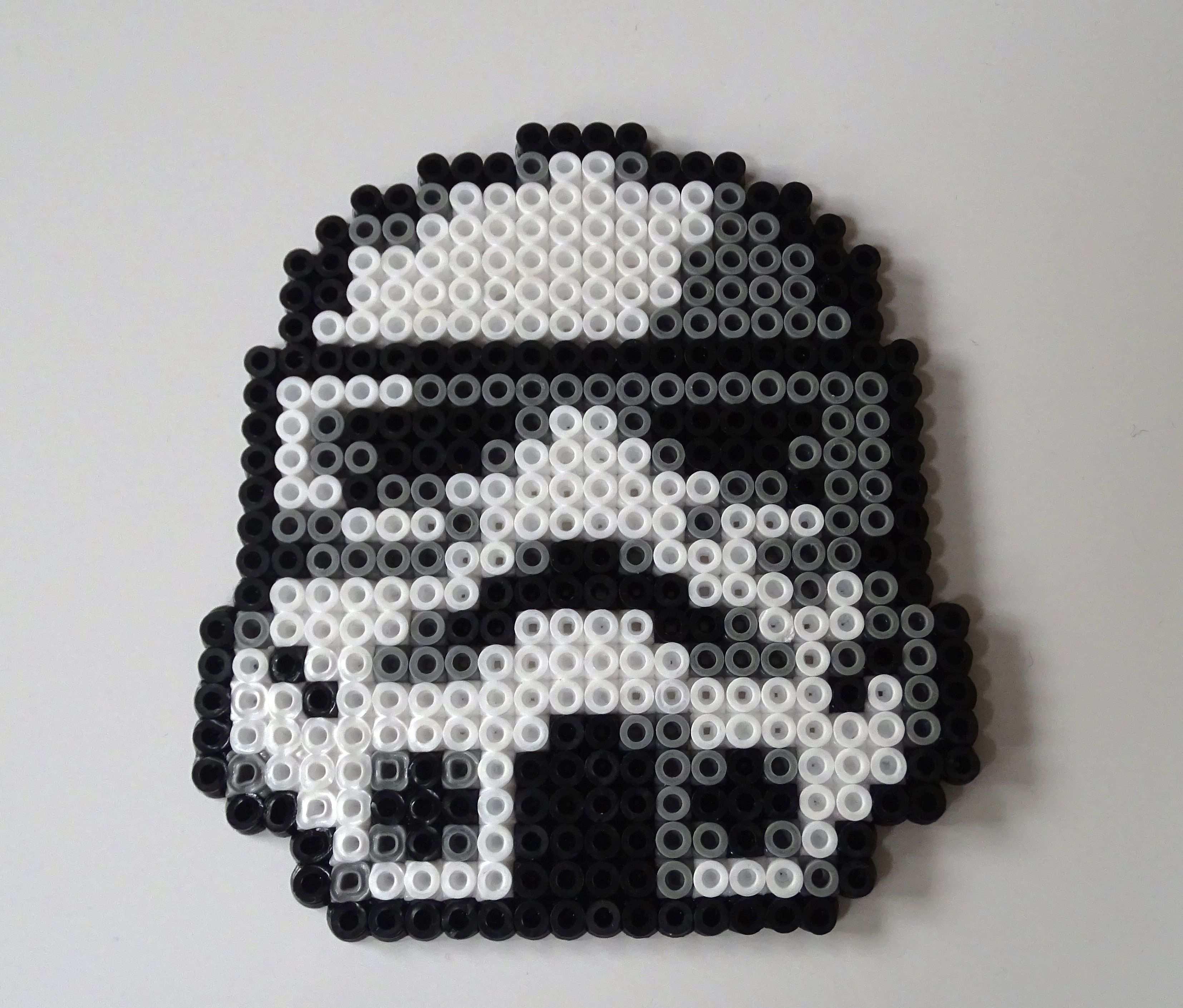 Starwars Stormtrooper Untersetzer Aus Bugelperlen Bugelperlen Bugelperlen Vorlagen Basteln Mit Kindern