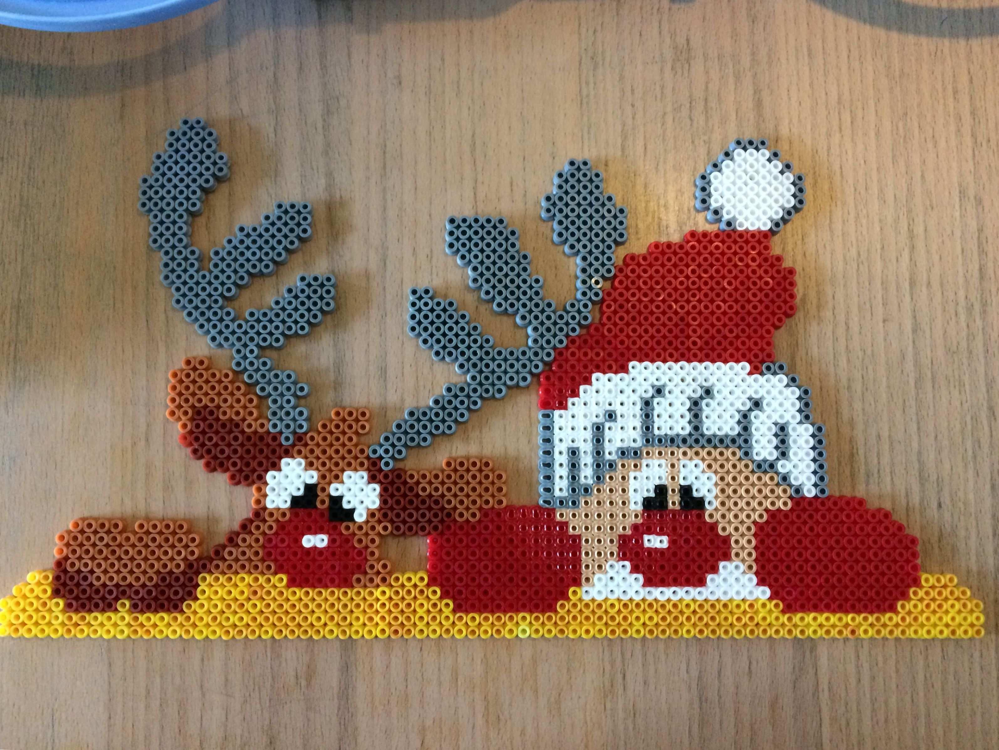 Rudolph Santa Basteln Bugelperlen Buegelperlen Weihnachten Weihnachtsbasteln