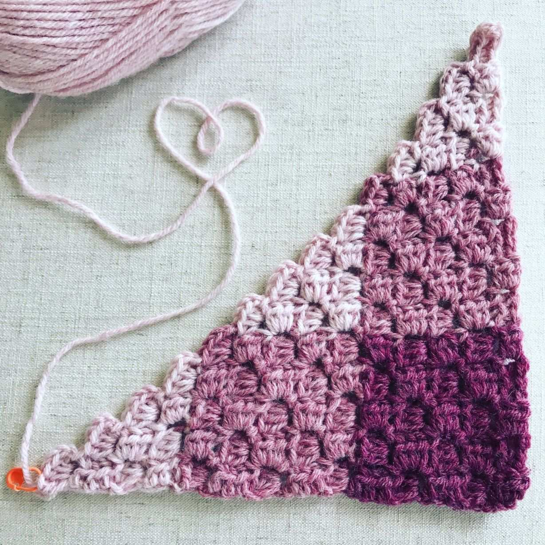 Get A Free Pattern For A Gingham Hdc Corner To Corner C2c Blanket With Chart Armstulpen Hakeln C2c Hakeln Hakeln Muster