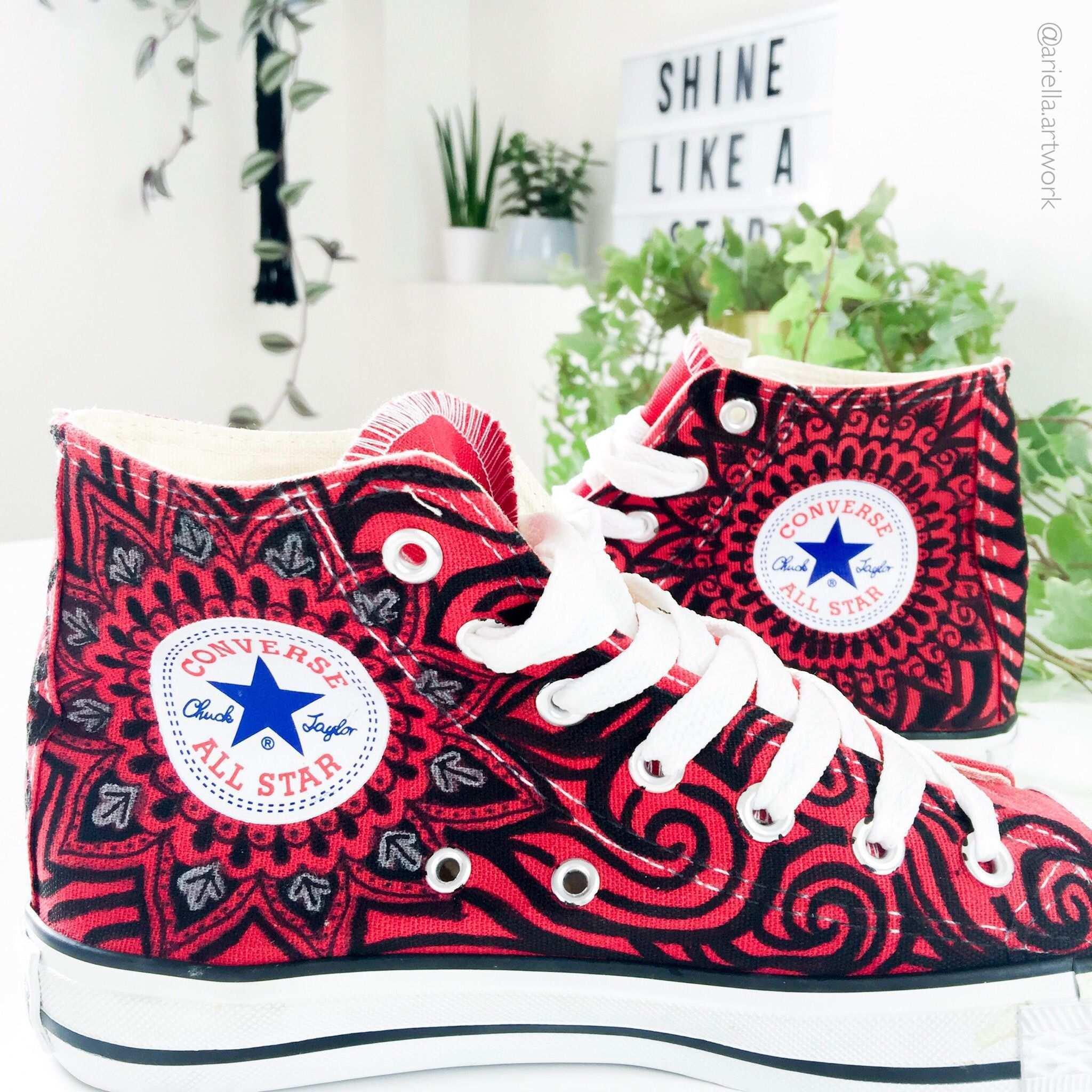 Chucks Converse Handbemalt Mit Mandala Und Zentangle Muster Posca Handmade Tattoo Zentangle Muster Converse
