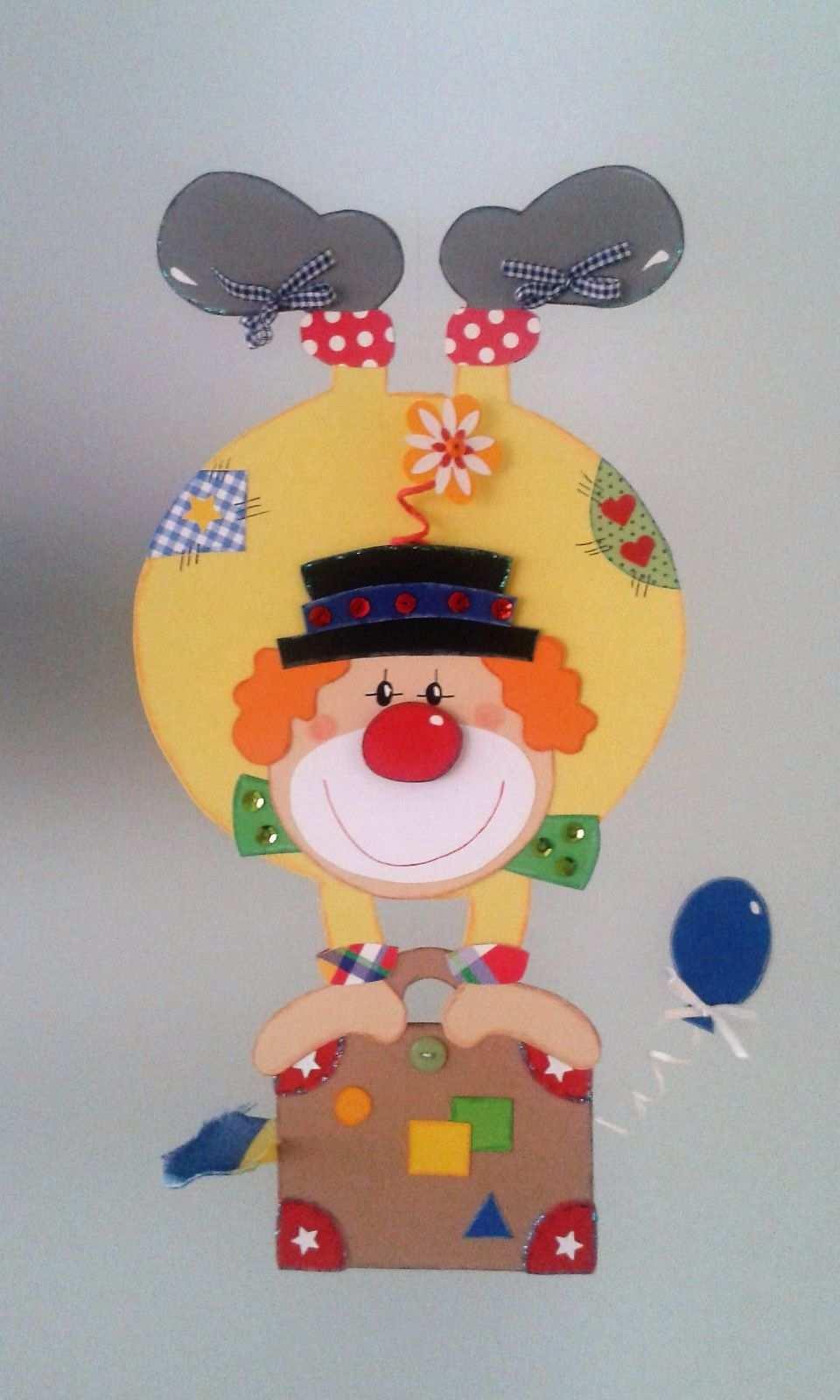 Fensterbild Clown Steht Kopf Fasching Karneval Dekoration Tonkarton For Karneval Basteln Dekoration Fasching Basteln Mit Kindern Clown Basteln Vorlage