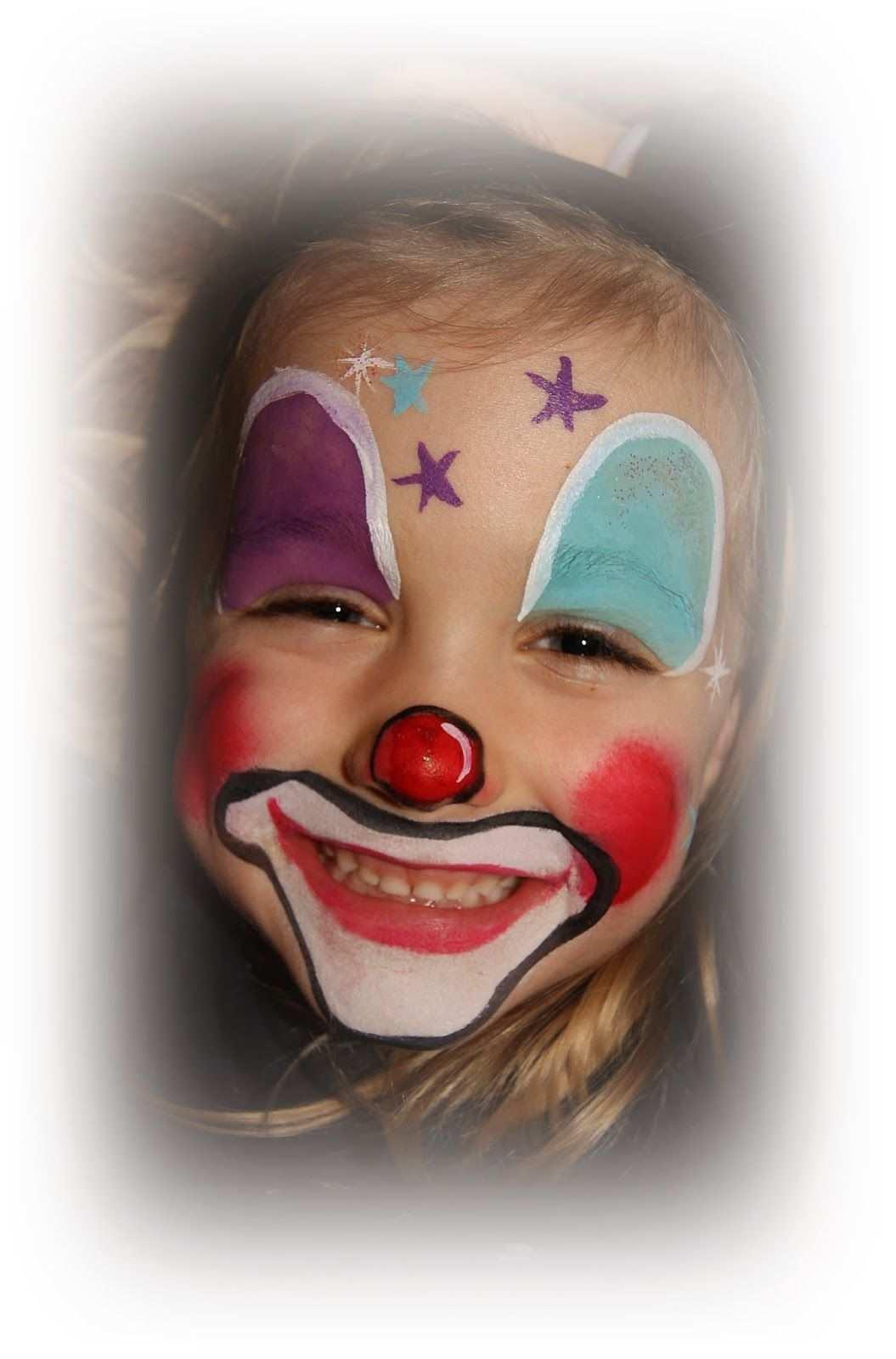 Verpluscht Und Zugenaht Kinder Schminken Kinderschminken Clown Schminken Kind