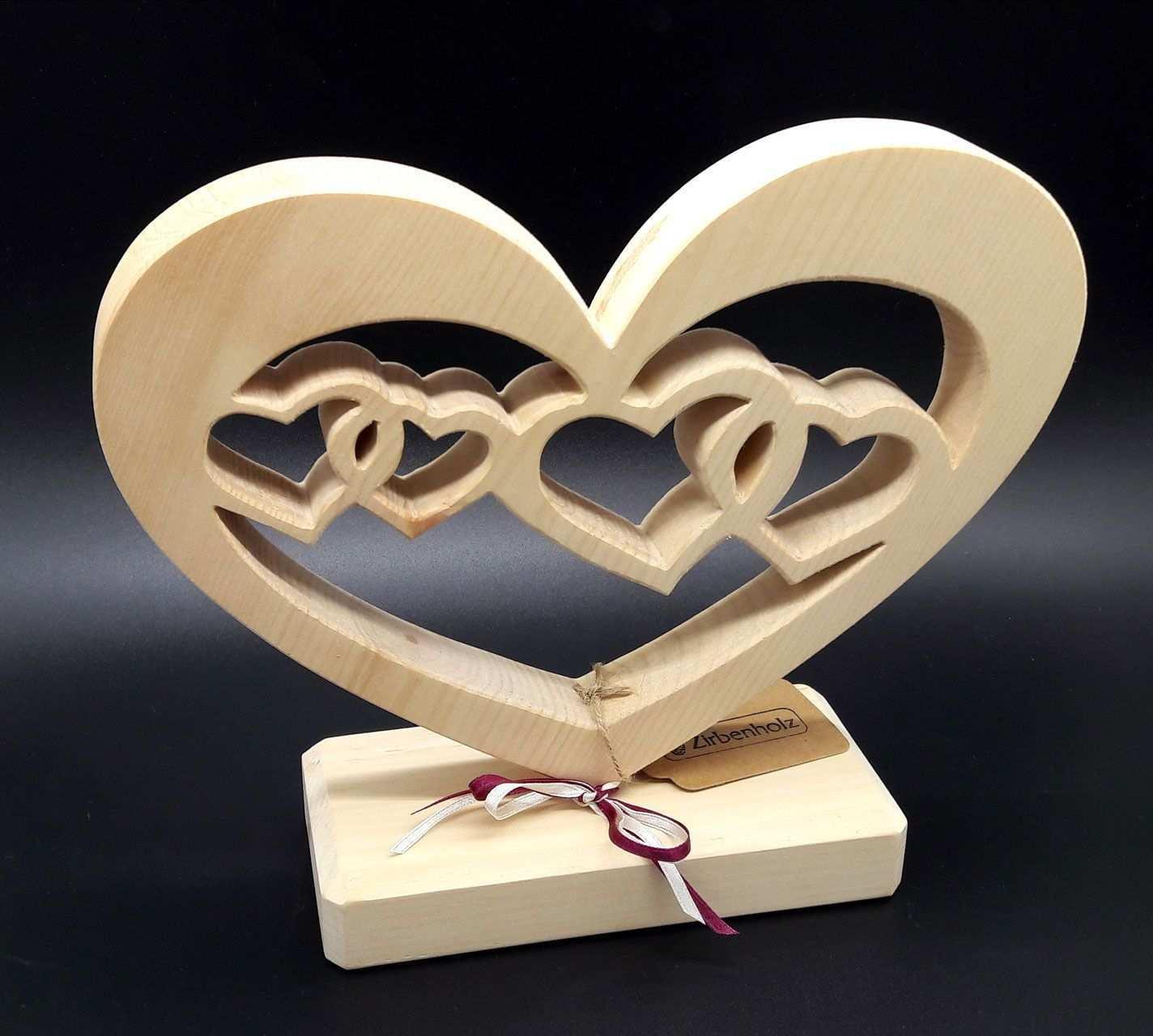 Herz Mit Herzen Aus Zirbenholz Zum Muttertag Hochzeit Verlobung Oder Fur Verliebte Intensiver Zirben Originelle Hochzeitsgeschenke Geschenke Holzgeschenke