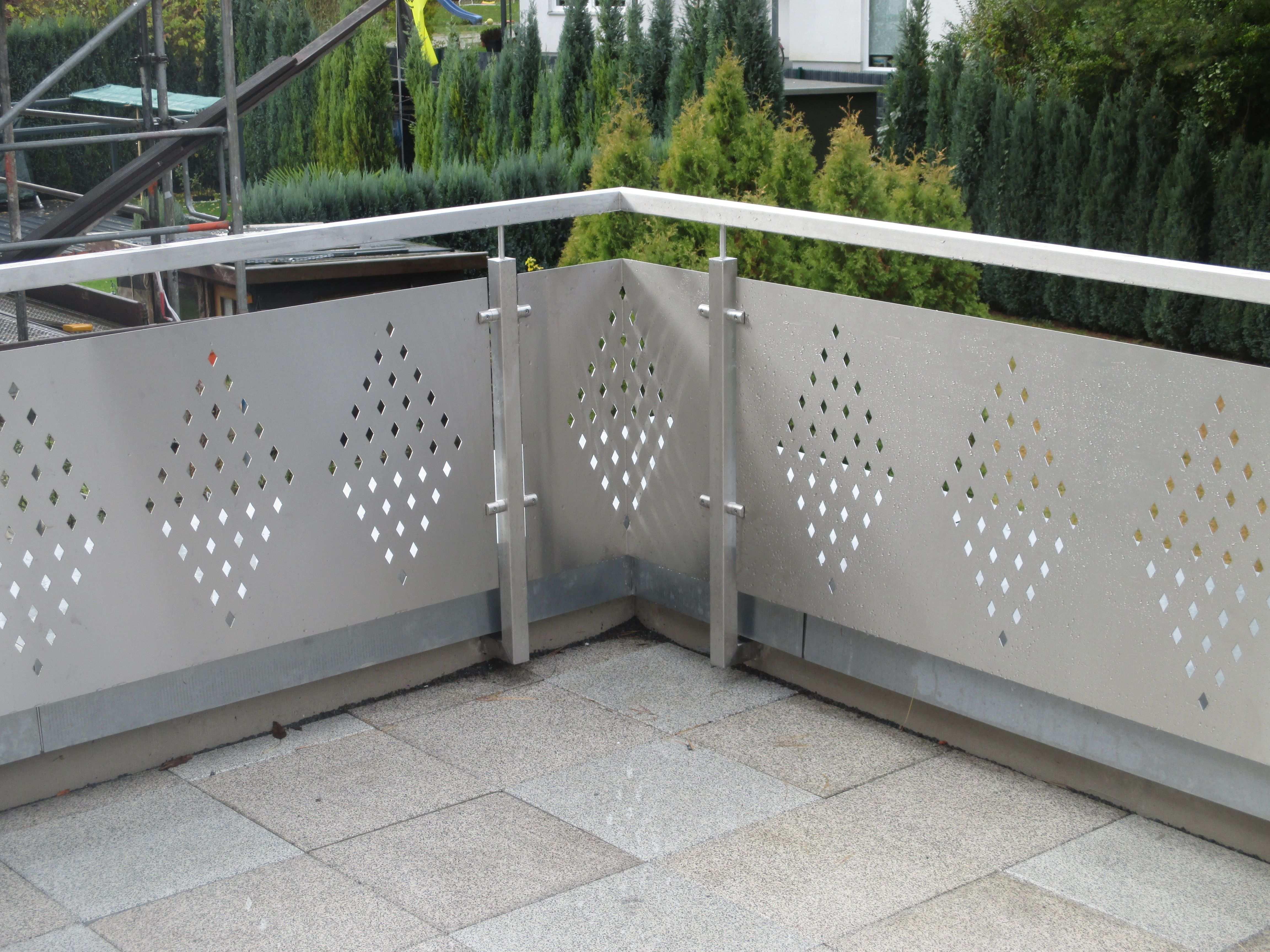 Balkongelander Aus Edelstahl Modernisierung Des Hauses Balkon Gelander Design Gelander Balkon Balkonverkleidung