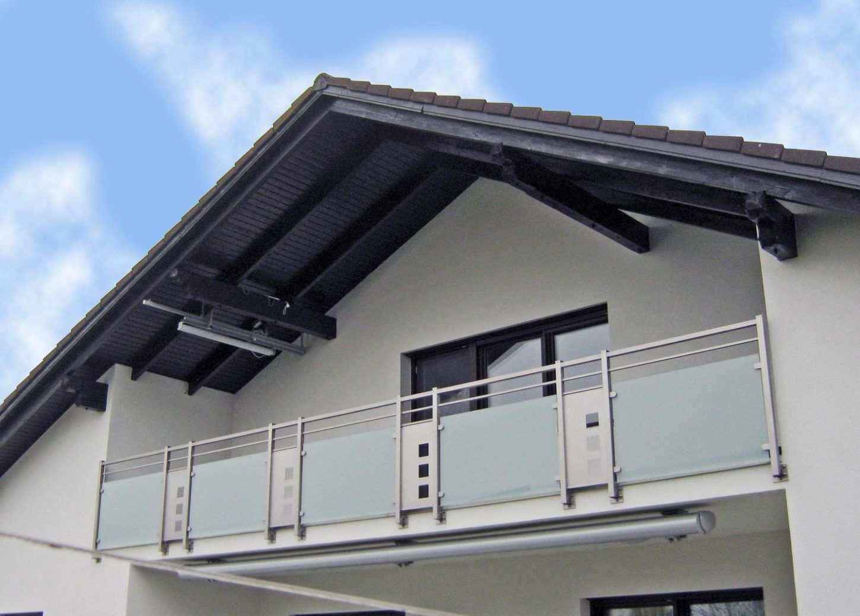 Schlicht Und Modern Balkon Gelander Design Balkon Alte Fenster