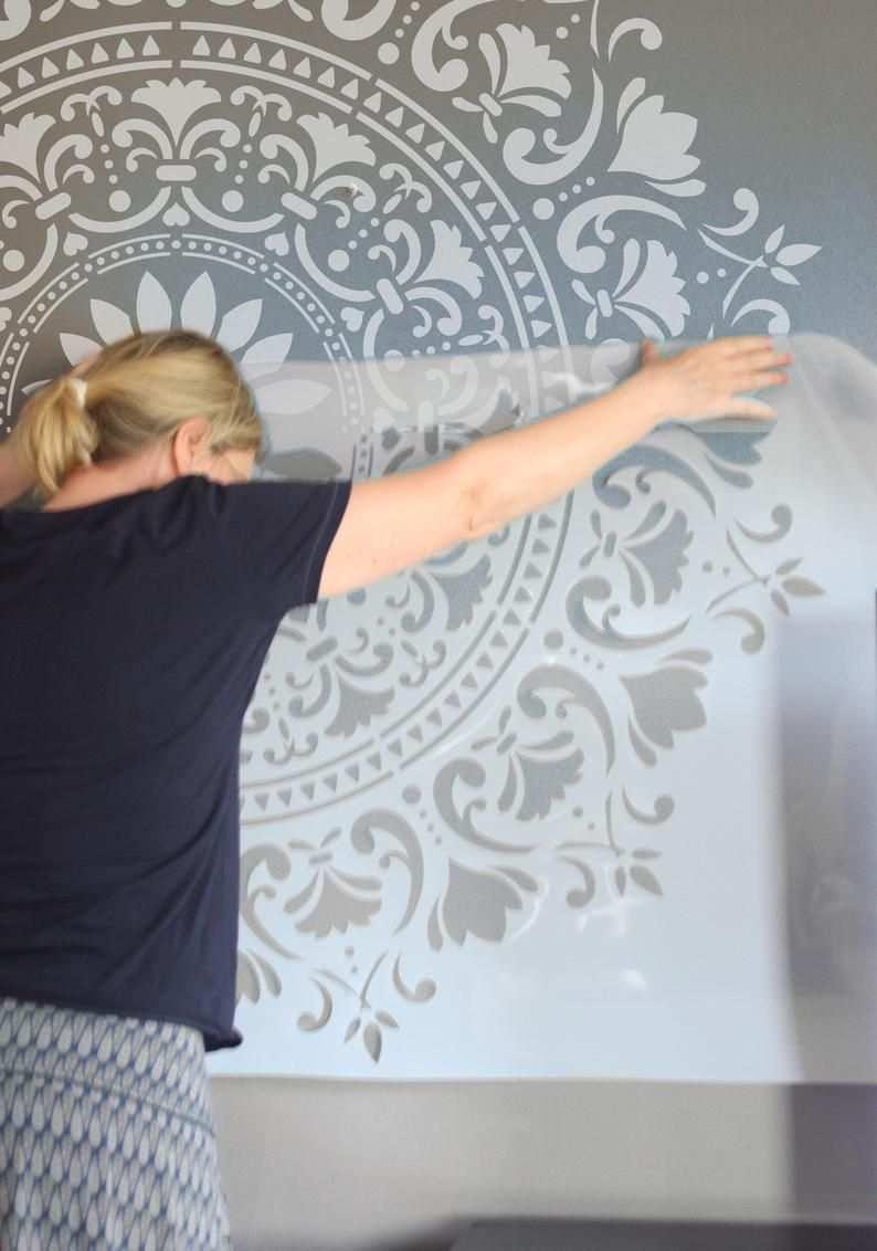 120 Cm Big Mandala Wall Stencils For Painting Furniture Stencils Xxl Mandala Wall Stencil 1 In 2020 Mandala Schablonen Wandmalerei Schablonen Schablone Fur Wand