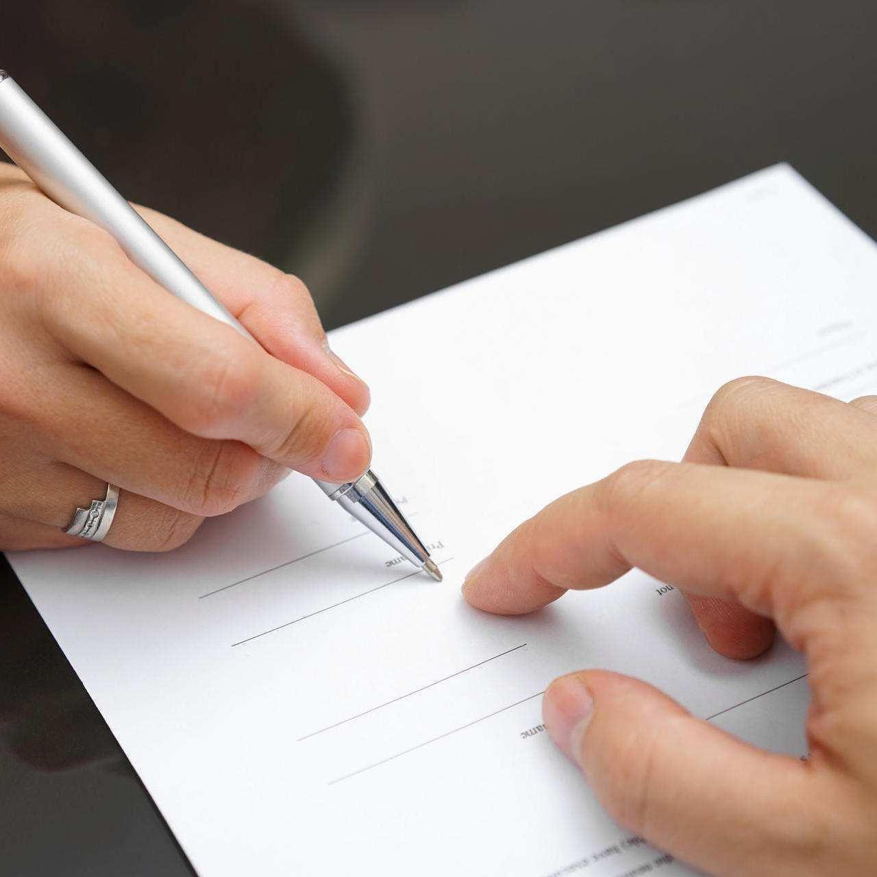 Sorgerecht Wann Unterschriften Beider Eltern Notig Sind