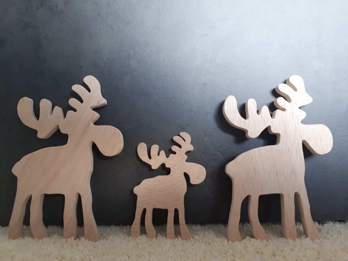 Holz Elche Verschieden Grossen Some Cute Moose Holz Basteln Weihnachten Weihnachtsdeko Aus Holz Basteln Holzideen Weihnachten