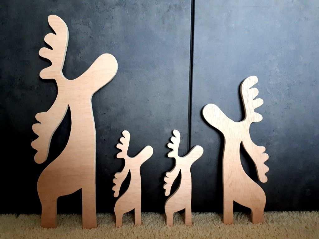 Elche Rentiere Aus Holz Moose Made Out Of Wood Fur Eine Schone Weihnachtsdeko Weihnachtsholz Rentier Holz Kunst Auf Holz