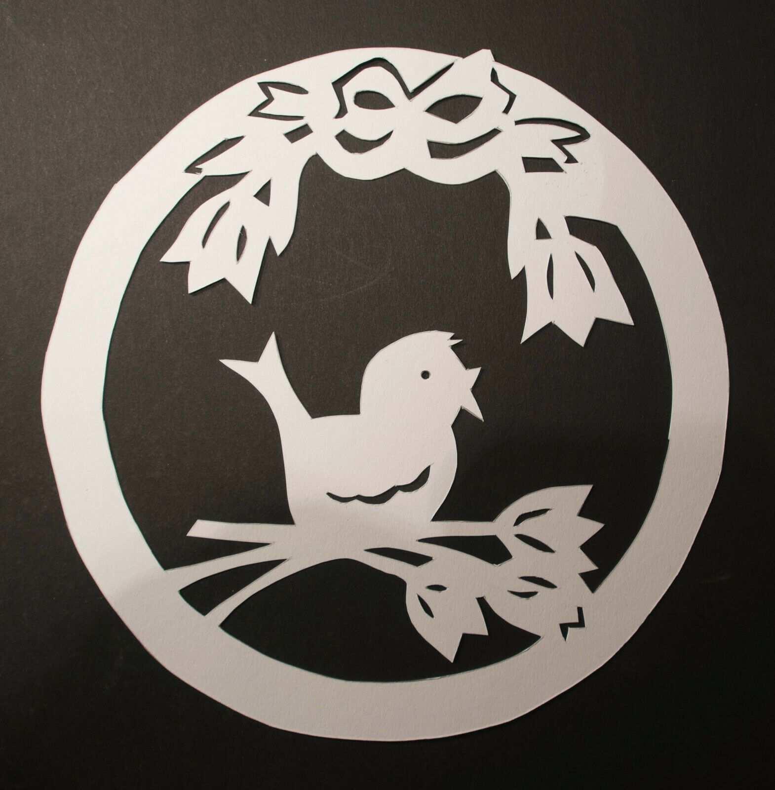 Fensterbild Filigran Tonkarton Vogel Auf Blute Eur 3 30 Sie Bieten Auf Ein Fensterbild Vogel Auf Blute Fensterbilder Basteln Fruhling Ostern Tonkarton