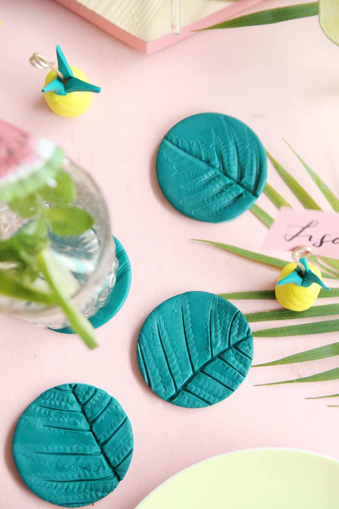 Diy Palmblatt Untersetzer Als Tischdeko Aus Fimo Selbermachen Basteln Und Selbermachen Diy Geschenke Selber Machen Fimo