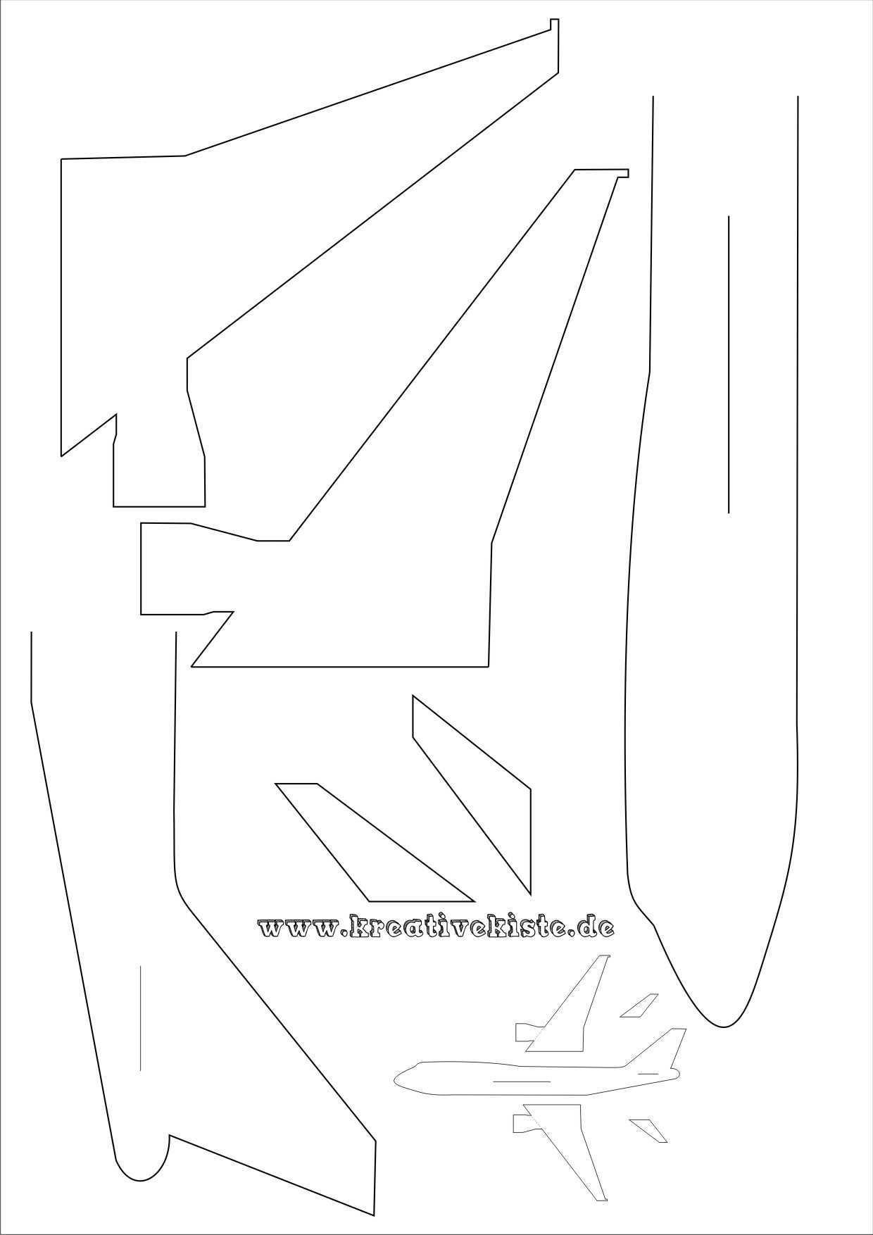 Laubsaege Flugzeug Basteln A4 Flugzeug Basteln Vorlagen Laubsagen Vorlagen