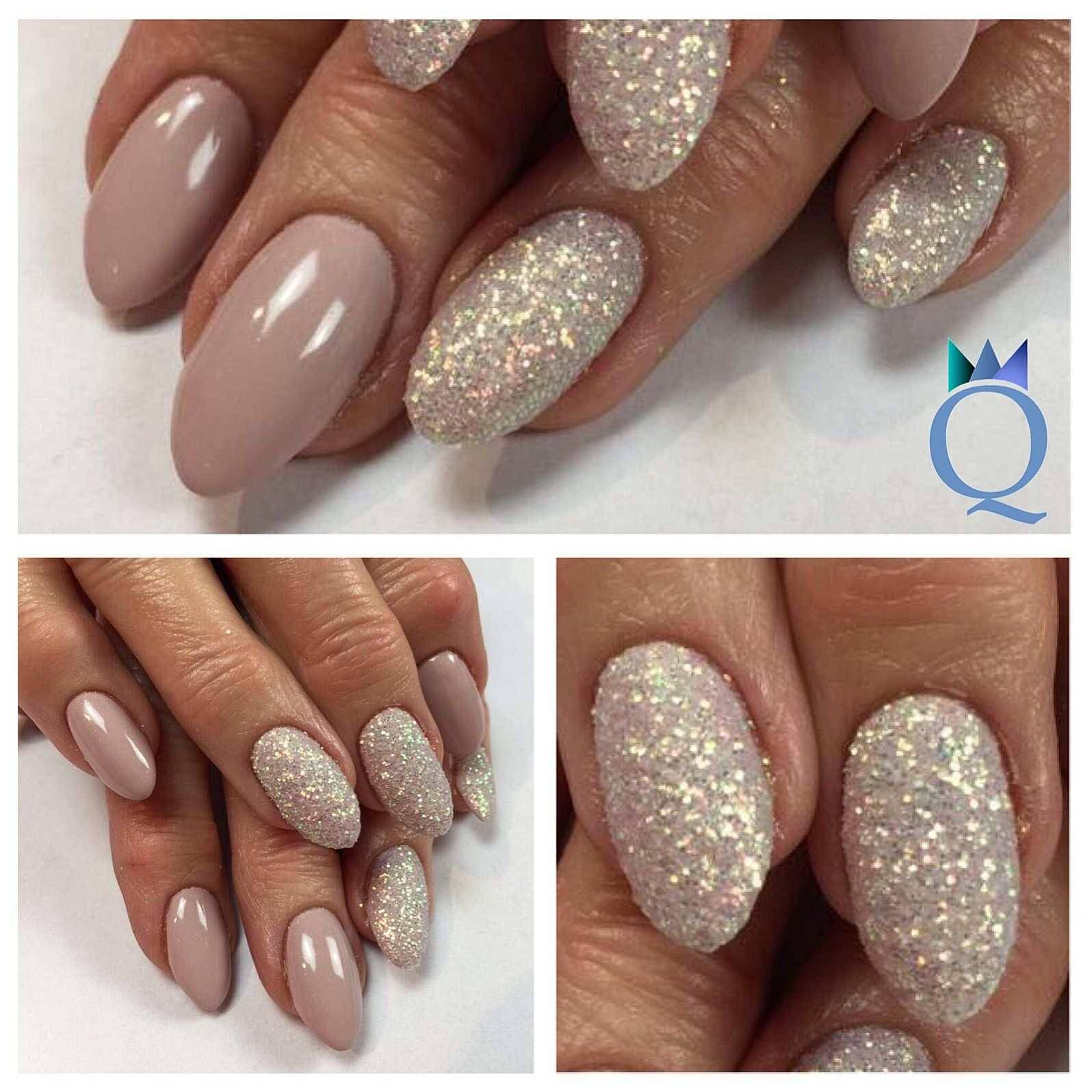 Almondnails Gelnails Nails Taupe Glitter Mandelform Gelnagel Nagel Taupe Glitzer Nagelstudio Mohlin Nailqueen Janine Nagelstudio Nageldesign Nails