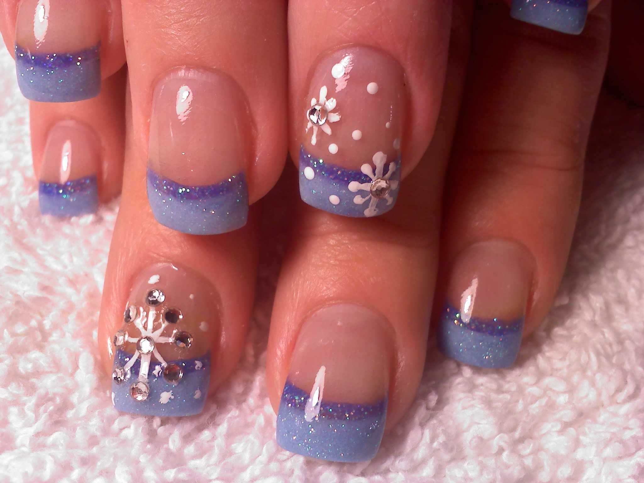 This Summer Think Winter Nagelstudio Ideen French Nagel Weihnachten French Nails