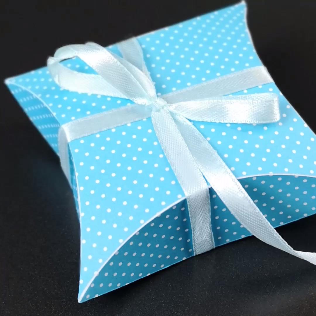 Geschenkverpackung In Sternform Basteln Plotterfreebie Pillow Box Video Video Box Basteln Plotter Kostenlos Geschenkbox Basteln
