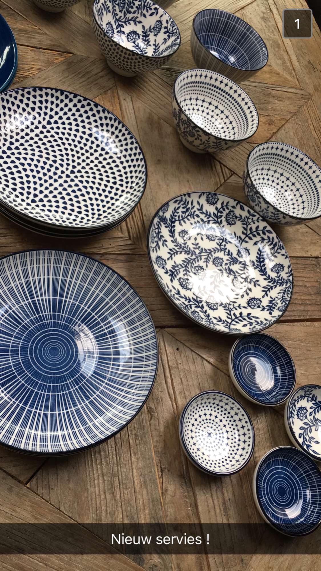 Hand Made Name Plate Design House In 2020 Blaues Geschirr Keramik Geschirr Porzellan Geschirr