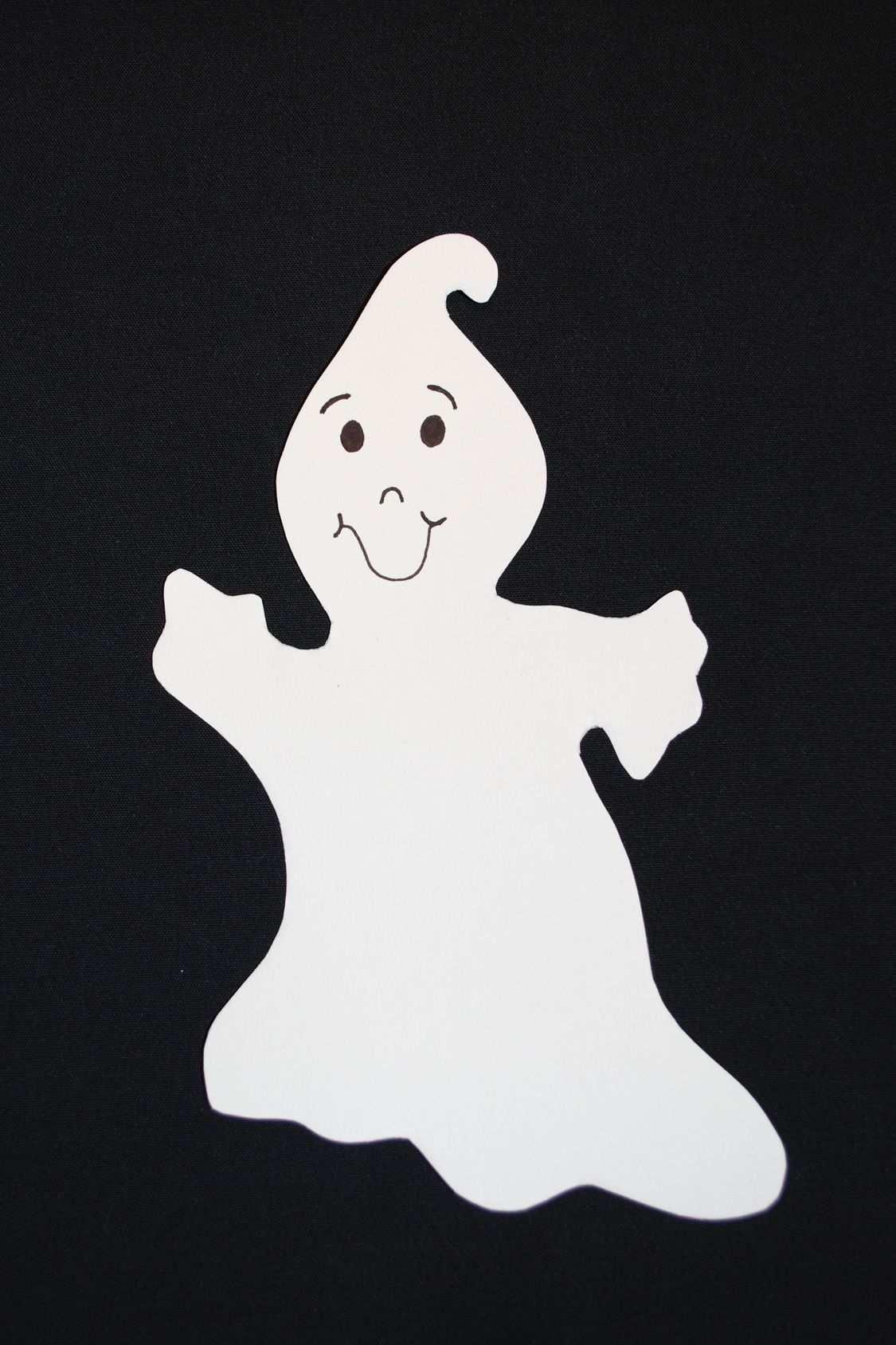 Gespenst Zur Dekoration Halloween Basteln Vorlagen Basteln Halloween Marchen Basteln