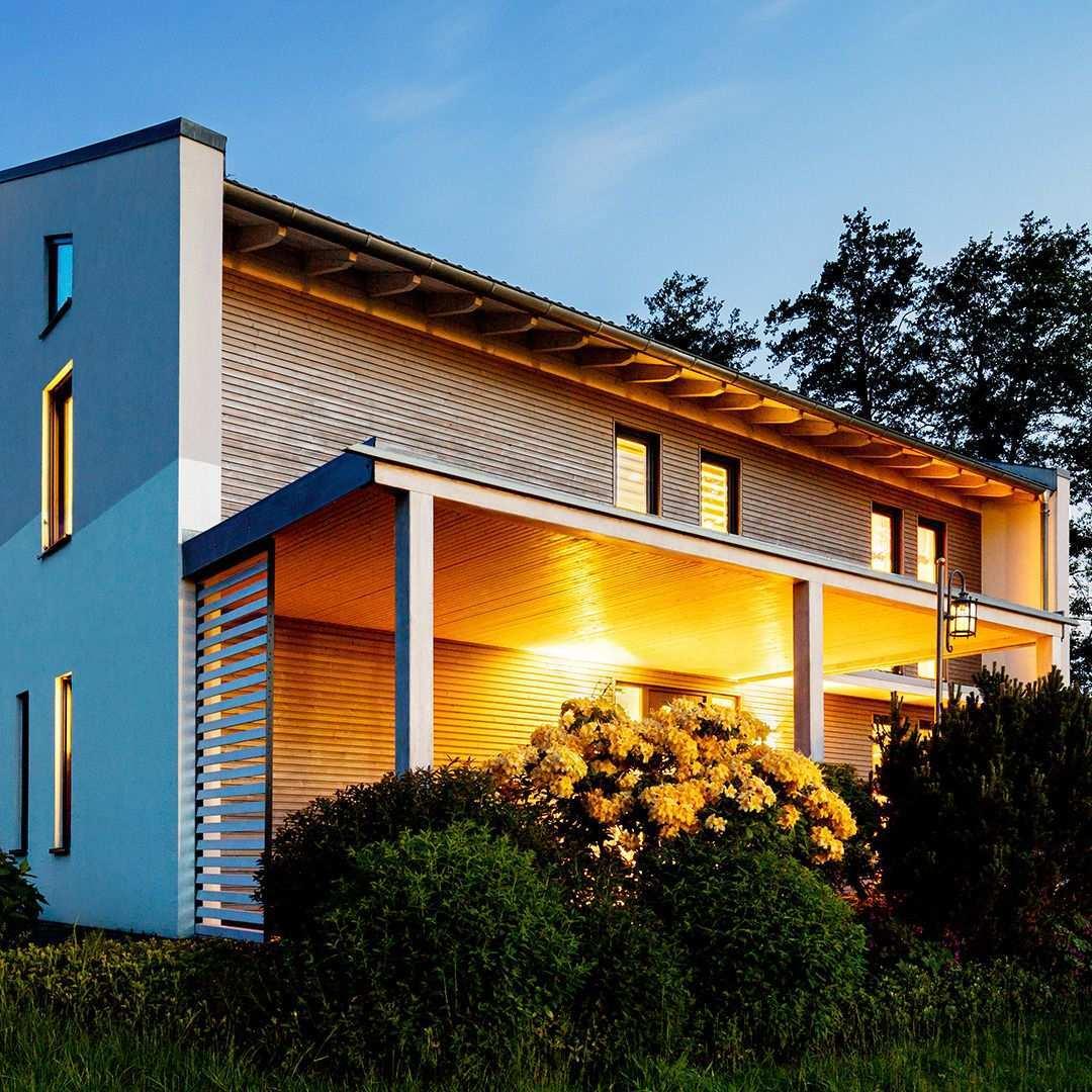 Plus Energie Holzhauser Kraftwerke Der Zukunft Regionale Architektur Photovoltaik Anlagen Gebaudehulle