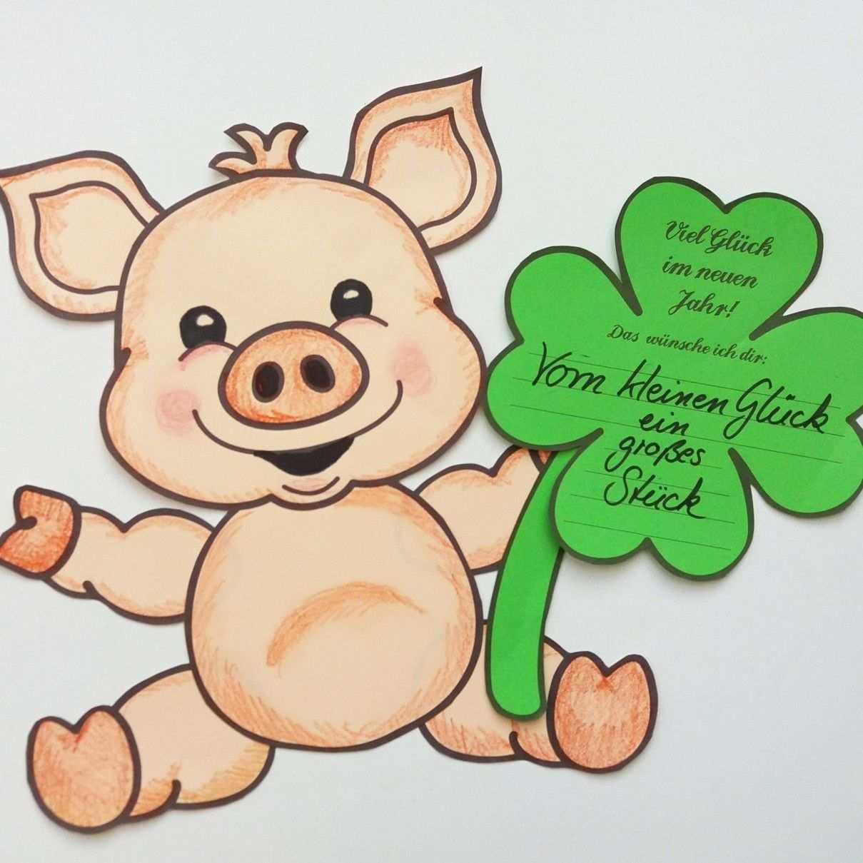Classroom Printables Schweinchen Bastelvorlage Neujahrswunsche Gluck Kleeblatt Unterrichtsmaterial In Den Fachern Fachubergreifendes Kita Kunst Neujahr Schwein Malen Neujahrswunsche