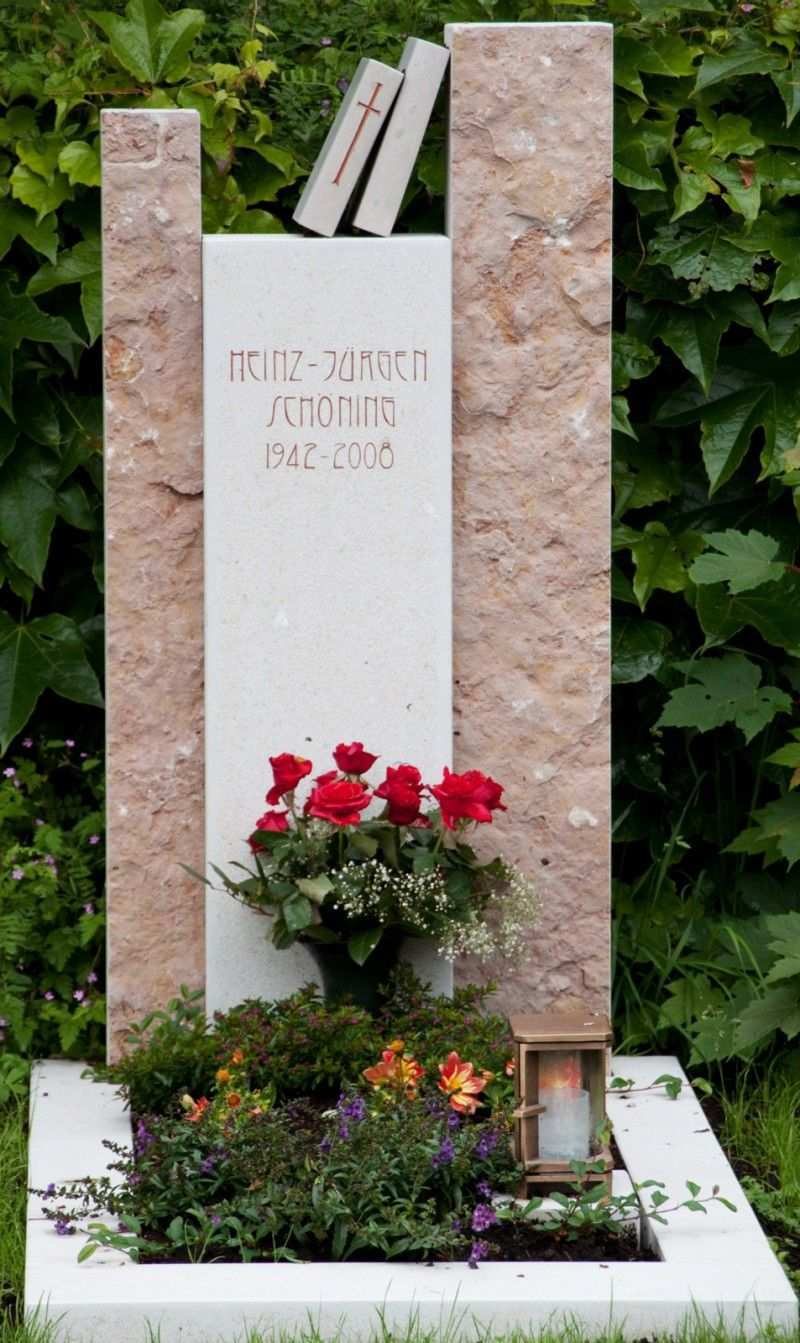Handwerkliche Grabsteine Steinmetz Herbert Baldauf Immenstadt Allgau Grabstein Friedhofs Blumen Gedenksteine