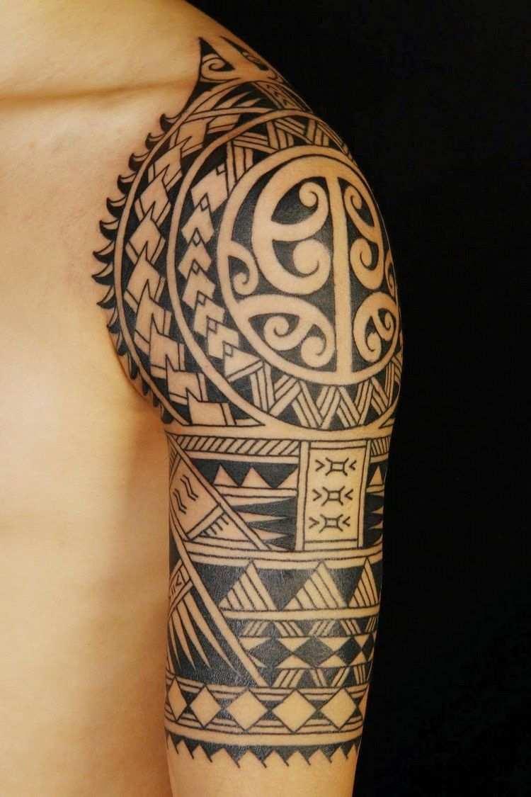 Polynesisches Maori Tattoo Tribalsmotive Oberarm Polynesisches Tattoo Maorie Tattoo Tribal Tattoos Fur Manner