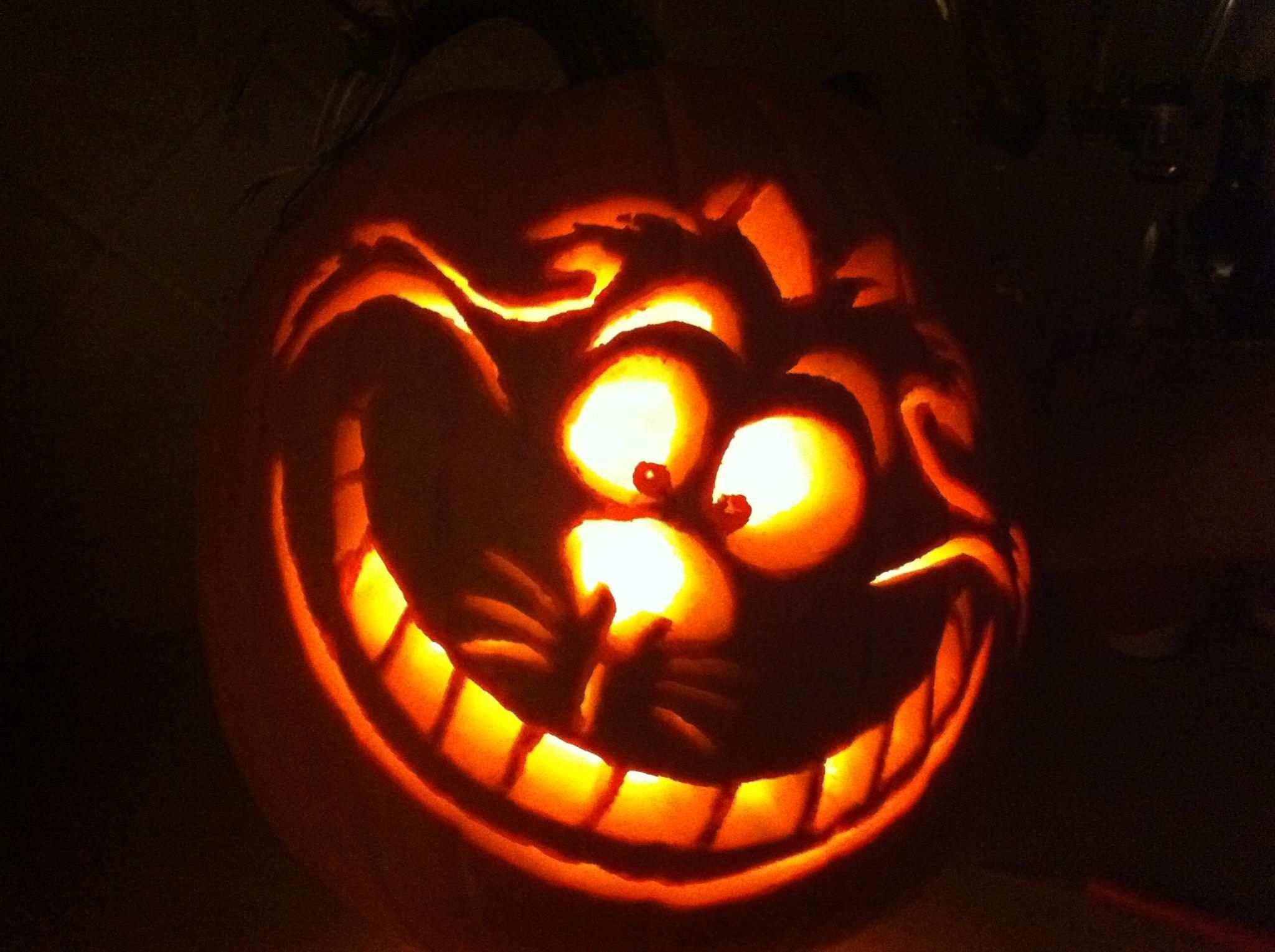 Cheshire Cat So Much Fun Carving This Pumpkin Halloween Kurbis Schnitzvorlagen Kurbis Schnitzen Motive Halloween Kurbis Vorlagen