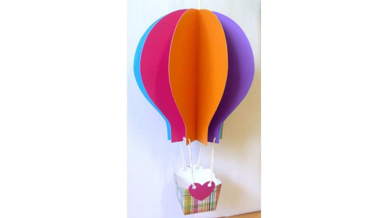 Papercraft Hot Air Balloon Tutorial With Free Pattern By Lisa Pay Hot Air Balloon Craft Hot Air Ballon Craft Hot Air Balloon