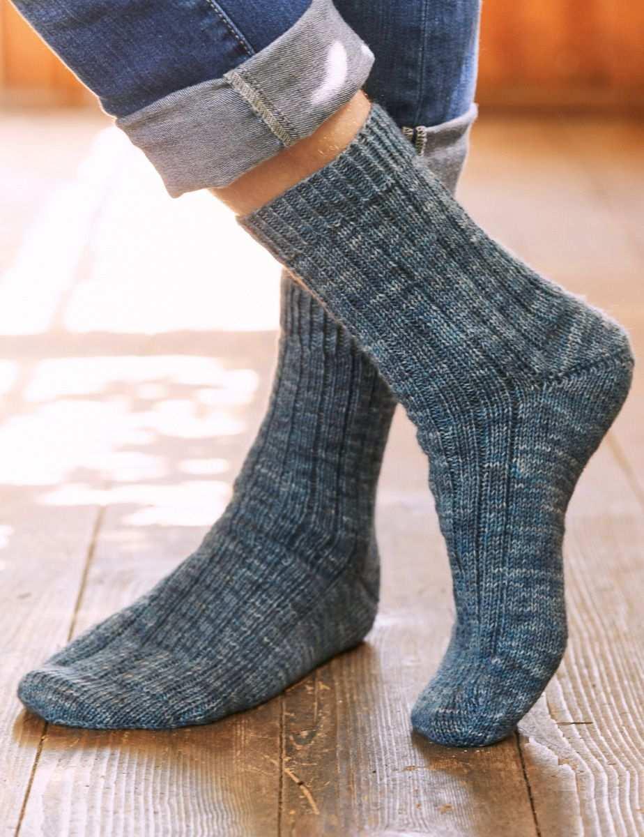 Lana Grossa Herrensocken Landlust Sockenwolle Landpartie 2019 Modell 5 Filati Cc Onlineshop Herrensocken Stricken Socken Stricken Anleitung Herren Socken
