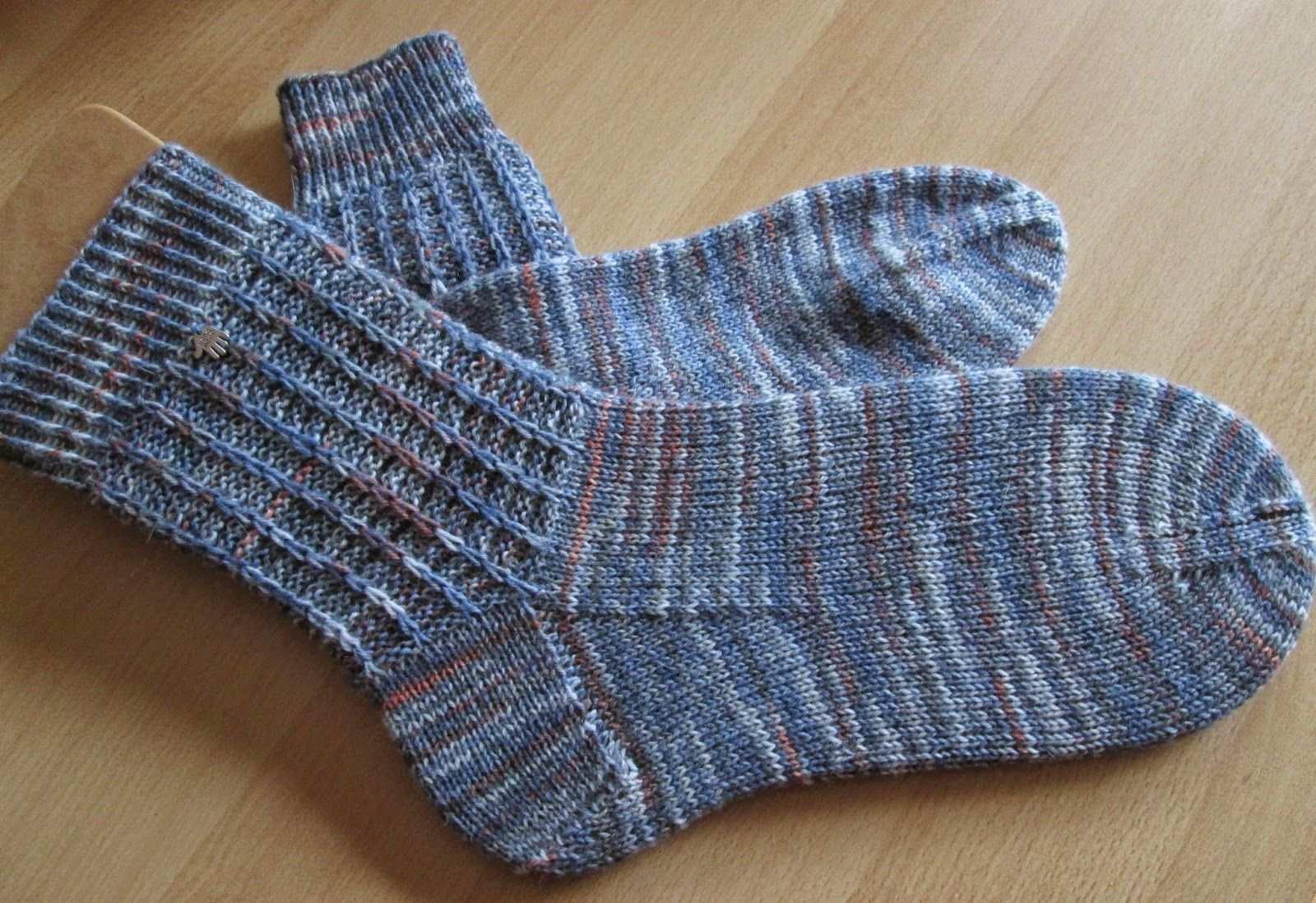 Rikes Schaufenster Jetzt Fur Manner Iii Socken Stricken Muster Socken Stricken Anleitung Socken Stricken