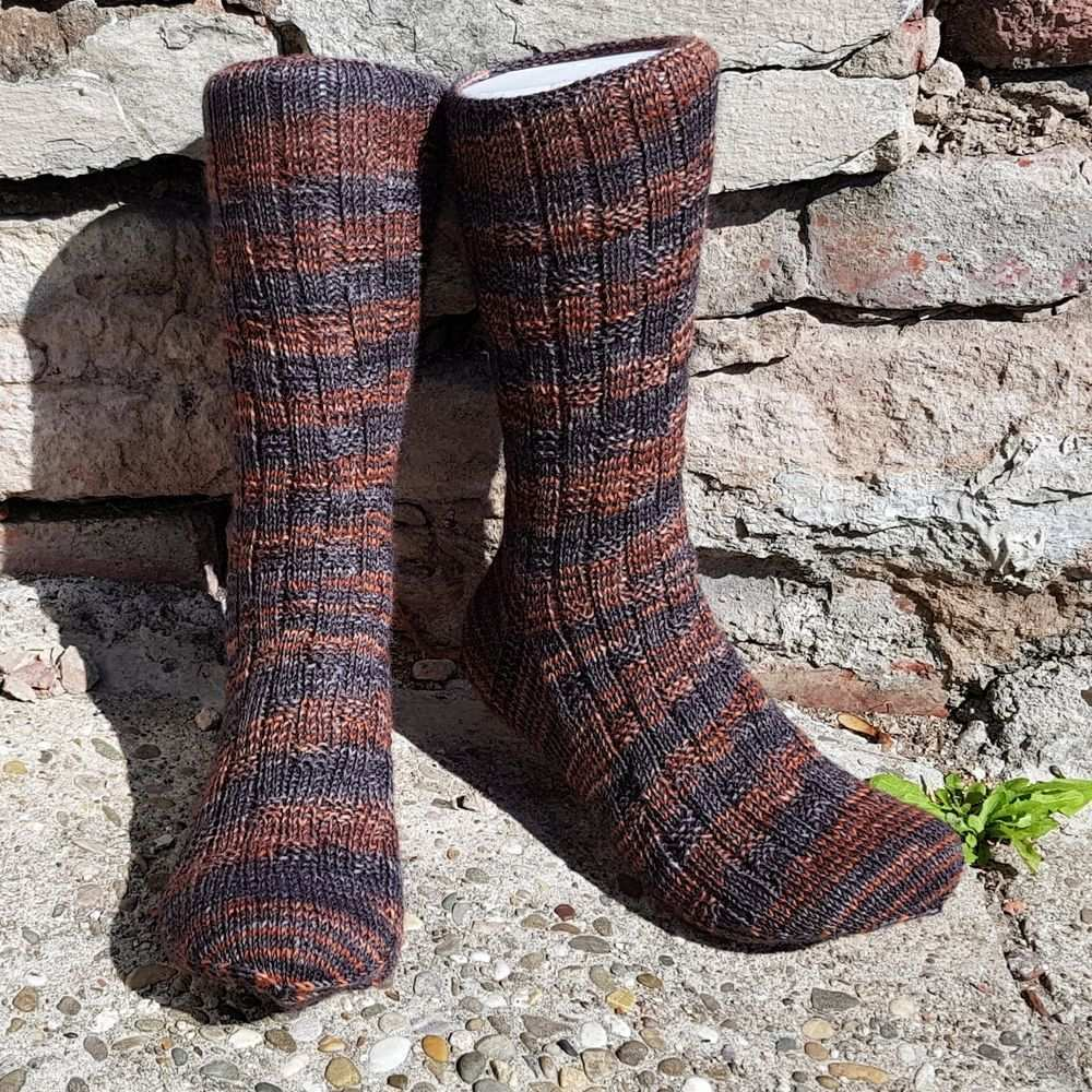 Steinbock Sternzeichen Socken Mannersache In 2020 Socken Stricken Anleitung Socken Steinbock Sternzeichen